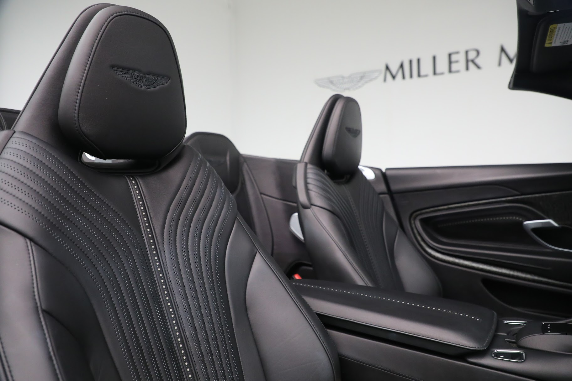New 2019 Aston Martin DB11 V8 Convertible For Sale In Greenwich, CT 3136_p23