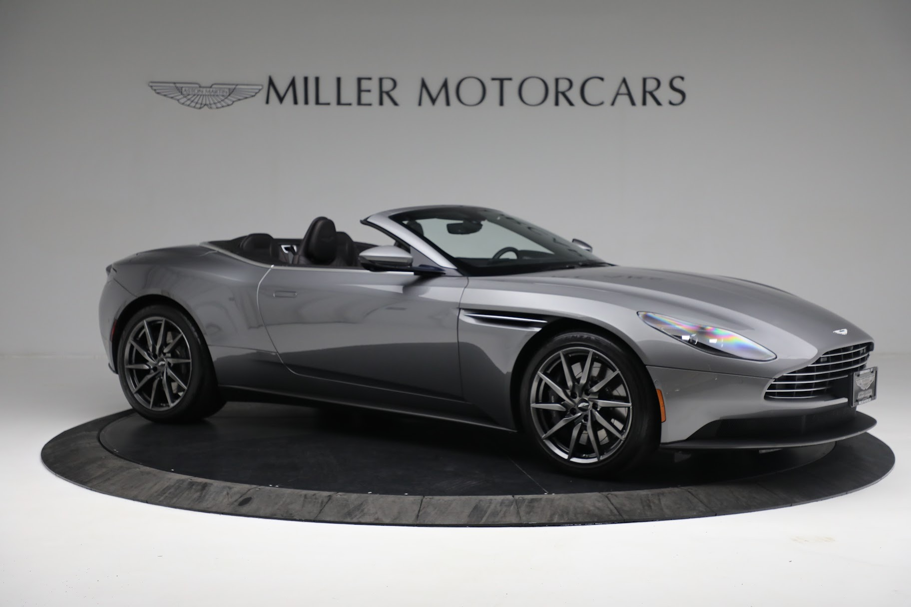 New 2019 Aston Martin DB11 V8 Convertible For Sale In Greenwich, CT 3136_p9