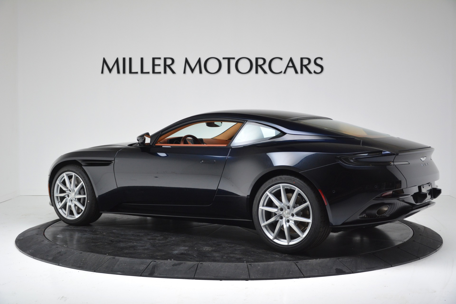 New 2019 Aston Martin DB11 V8 Coupe For Sale In Greenwich, CT 3145_p4