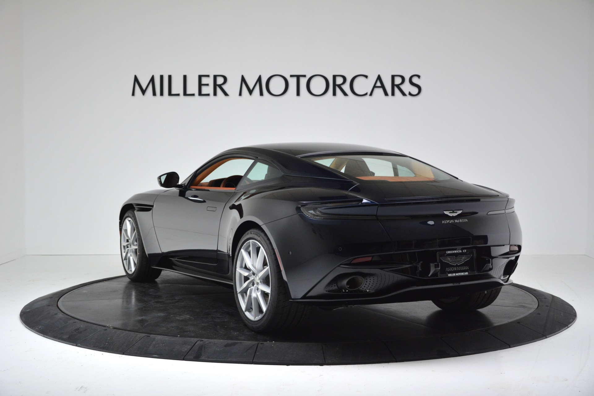 New 2019 Aston Martin DB11 V8 Coupe For Sale In Greenwich, CT 3145_p5