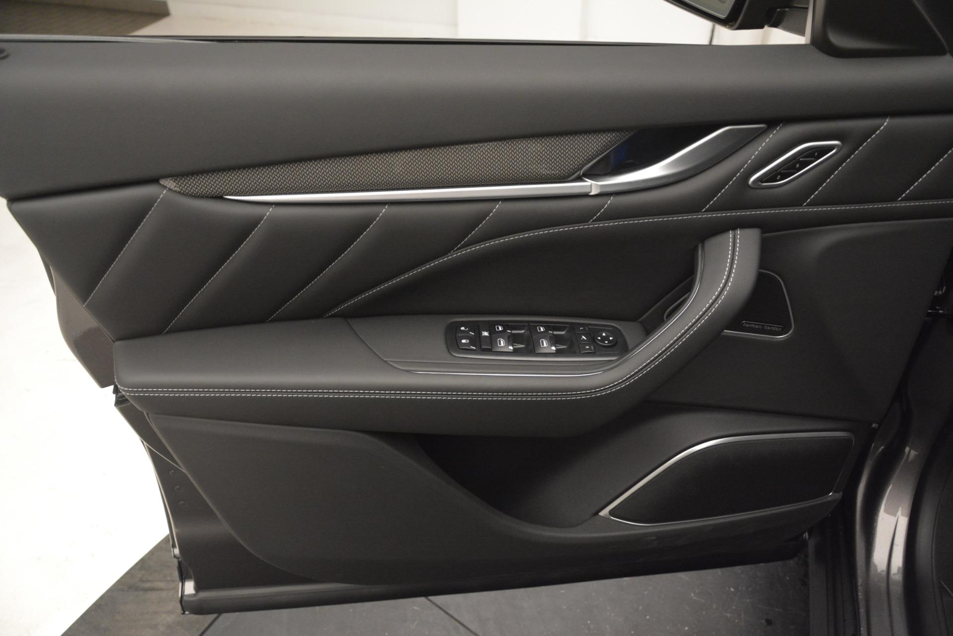 New 2019 Maserati Levante SQ4 GranSport Nerissimo For Sale In Greenwich, CT 3146_p17