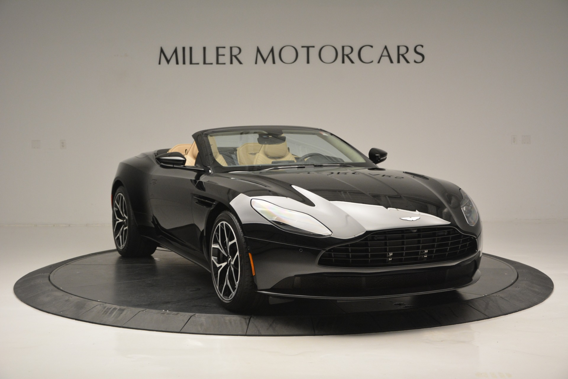 New 2019 Aston Martin DB11 V8 Convertible For Sale In Greenwich, CT 3148_p11