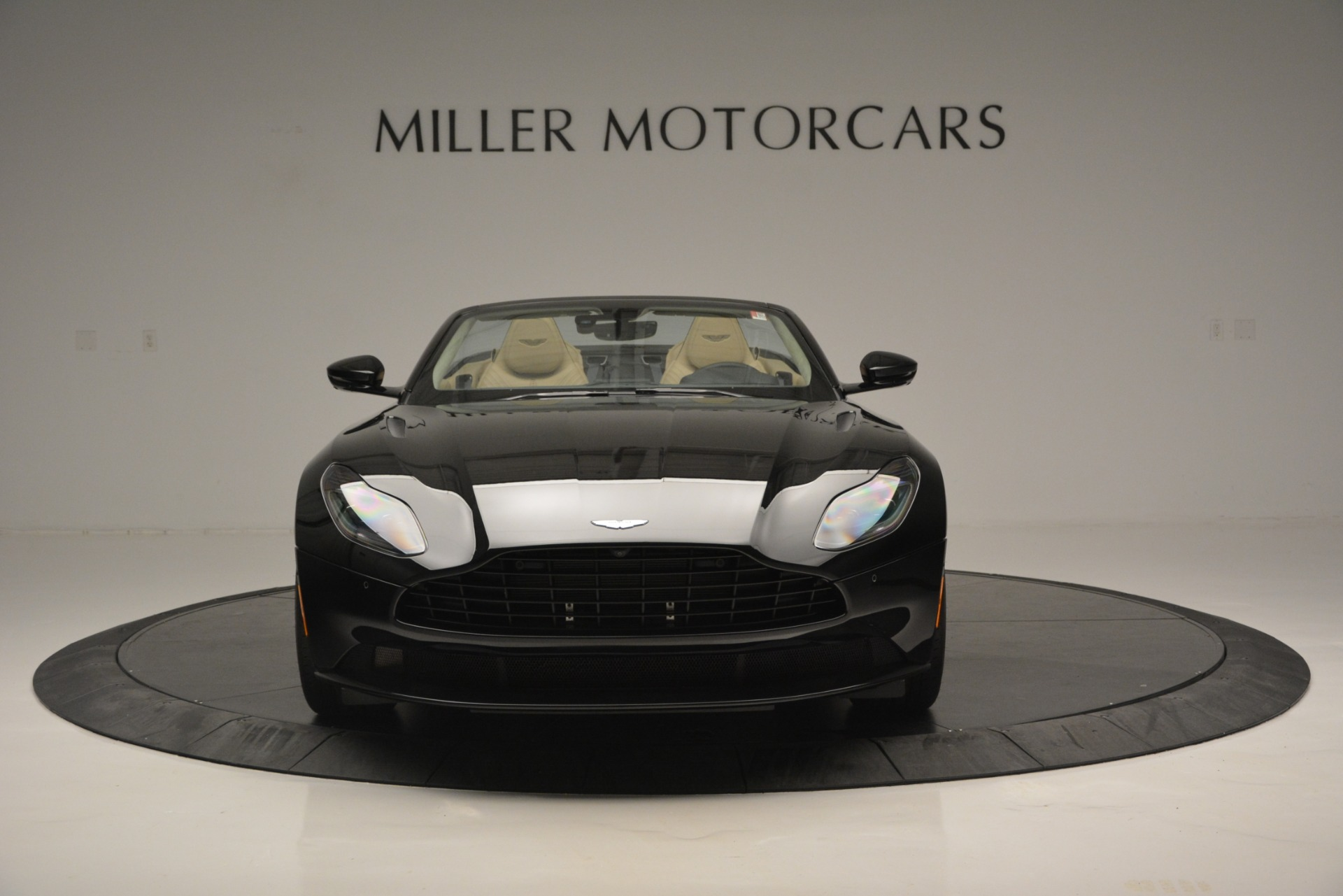 New 2019 Aston Martin DB11 V8 Convertible For Sale In Greenwich, CT 3148_p12