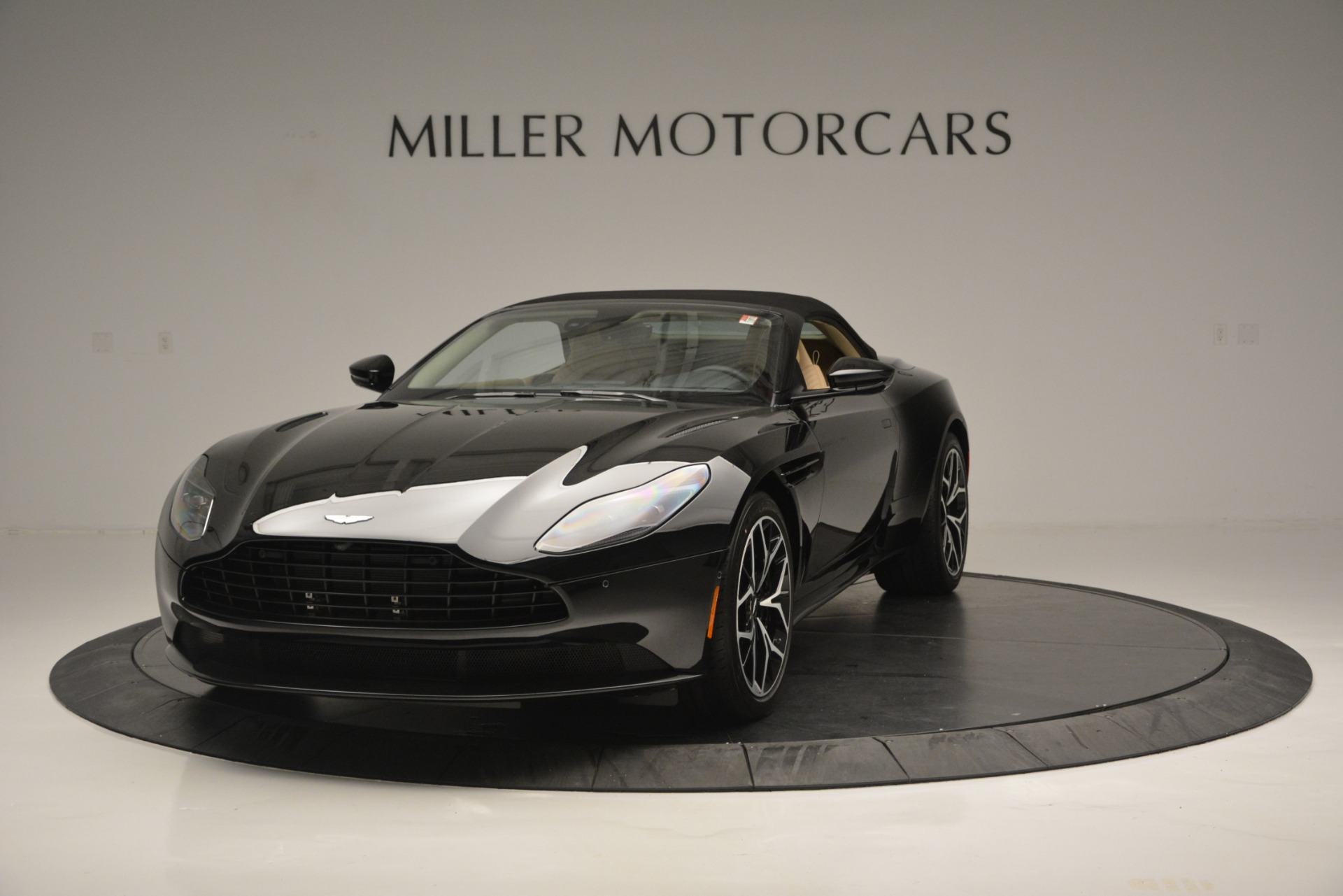 New 2019 Aston Martin DB11 V8 Convertible For Sale In Greenwich, CT 3148_p13