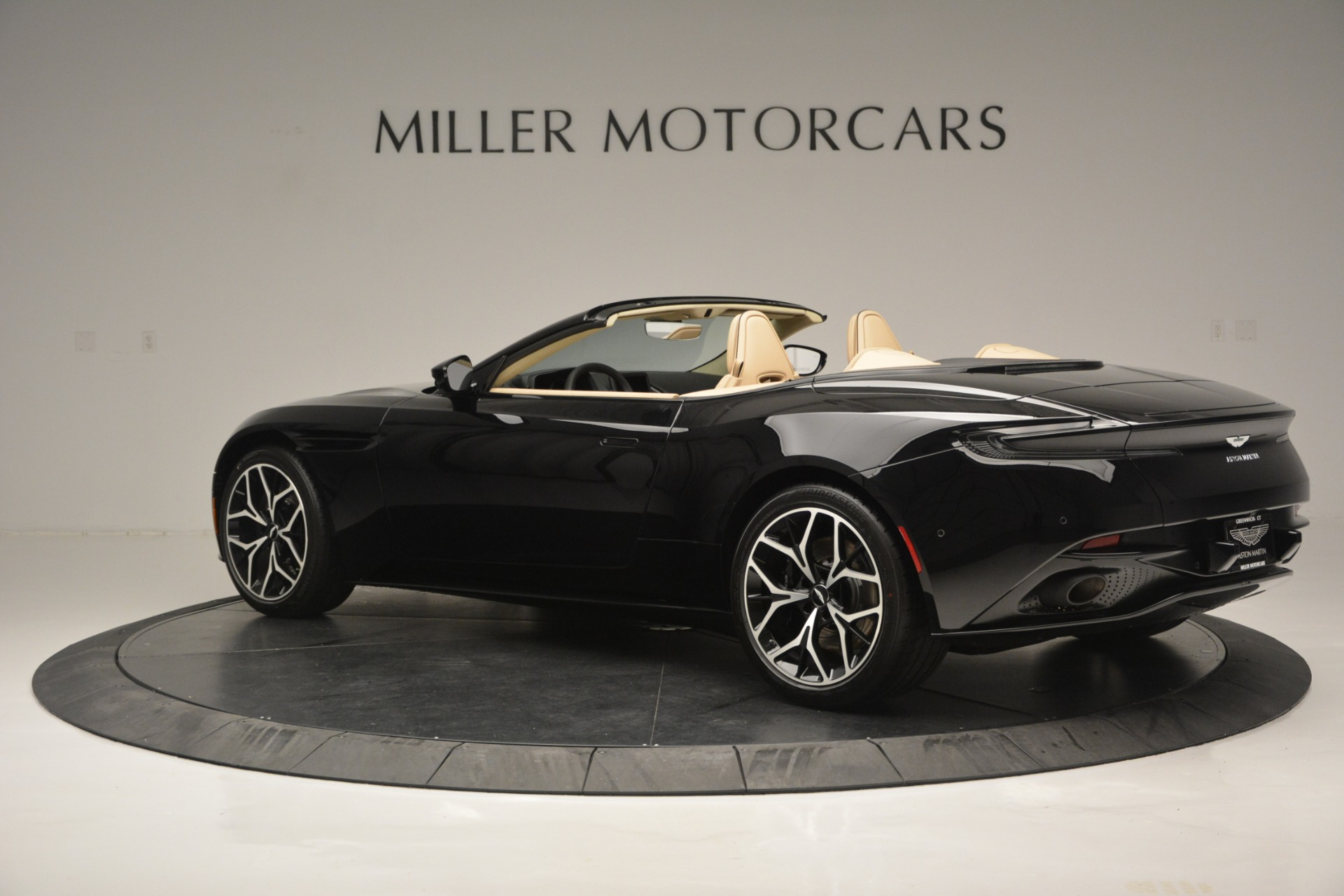New 2019 Aston Martin DB11 V8 Convertible For Sale In Greenwich, CT 3148_p4