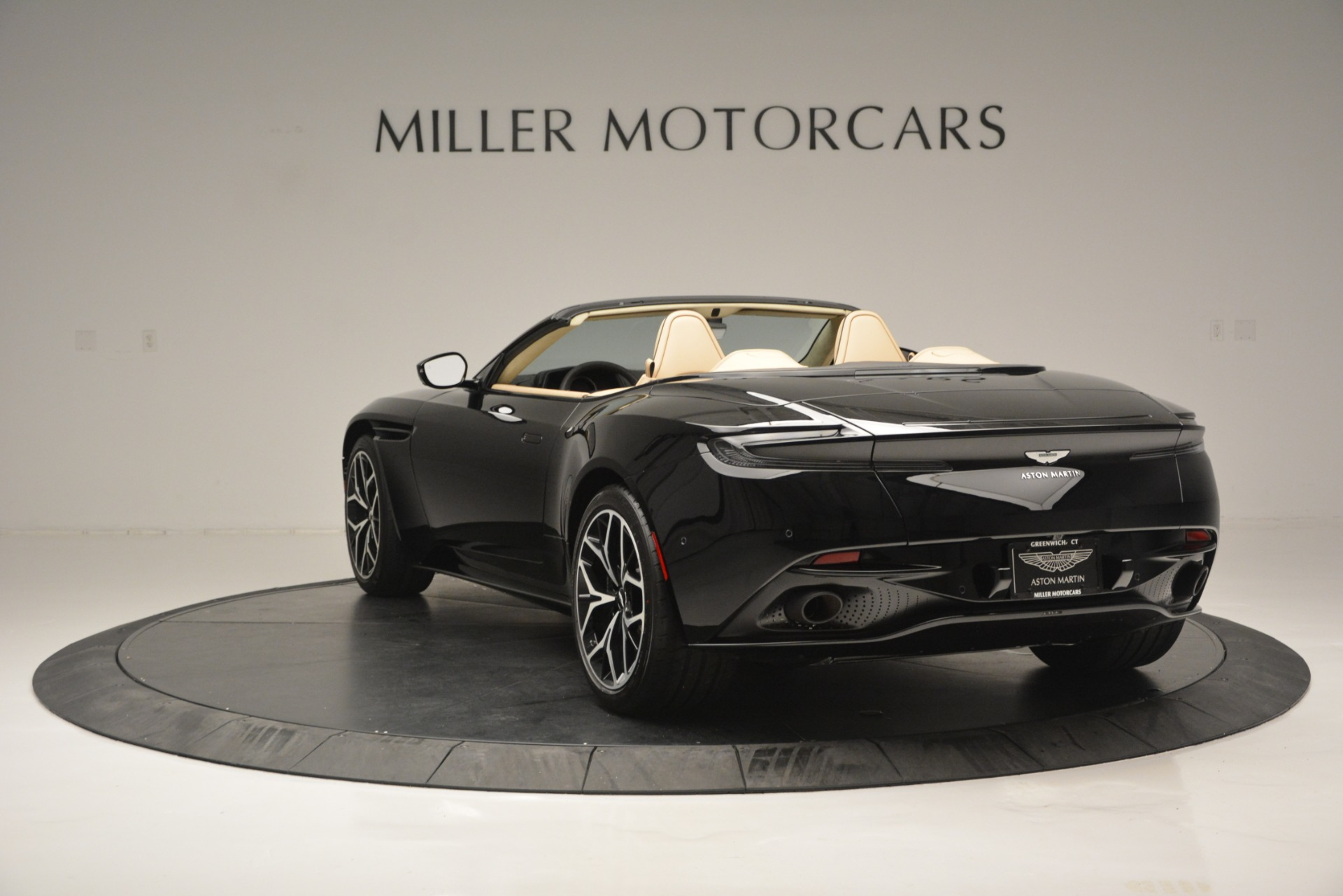 New 2019 Aston Martin DB11 V8 Convertible For Sale In Greenwich, CT 3148_p5