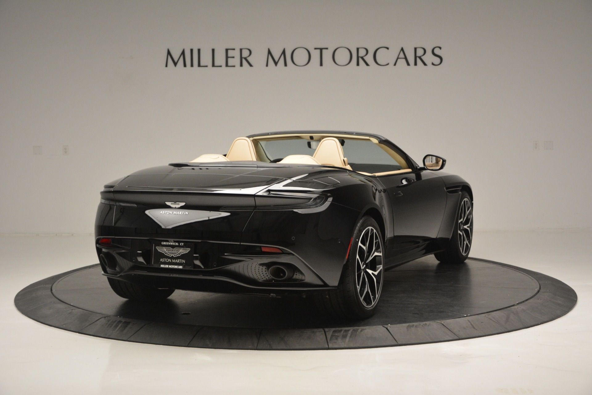 New 2019 Aston Martin DB11 V8 Convertible For Sale In Greenwich, CT 3148_p7