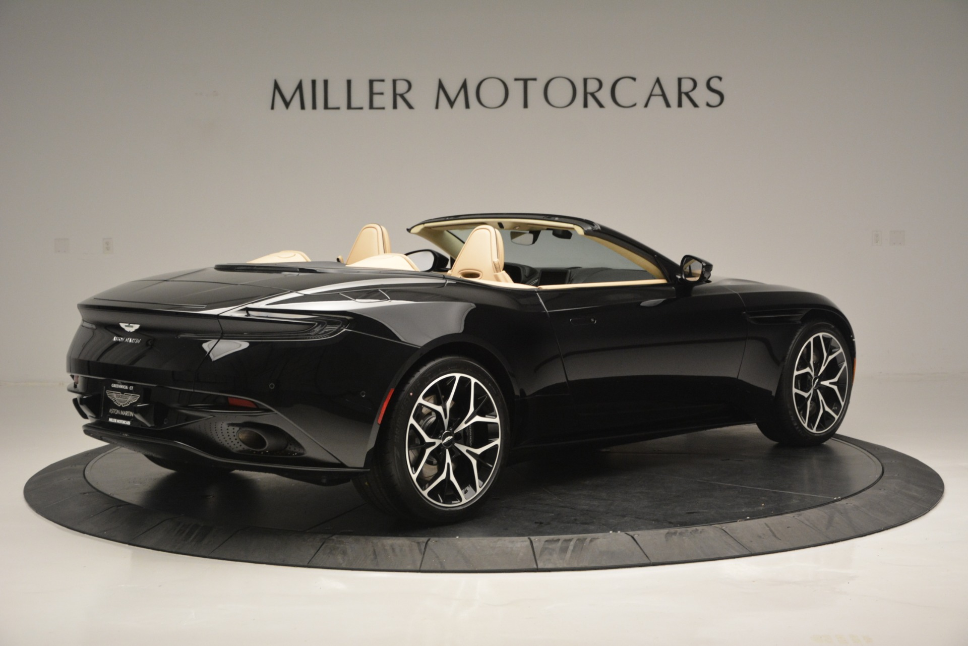 New 2019 Aston Martin DB11 V8 Convertible For Sale In Greenwich, CT 3148_p8