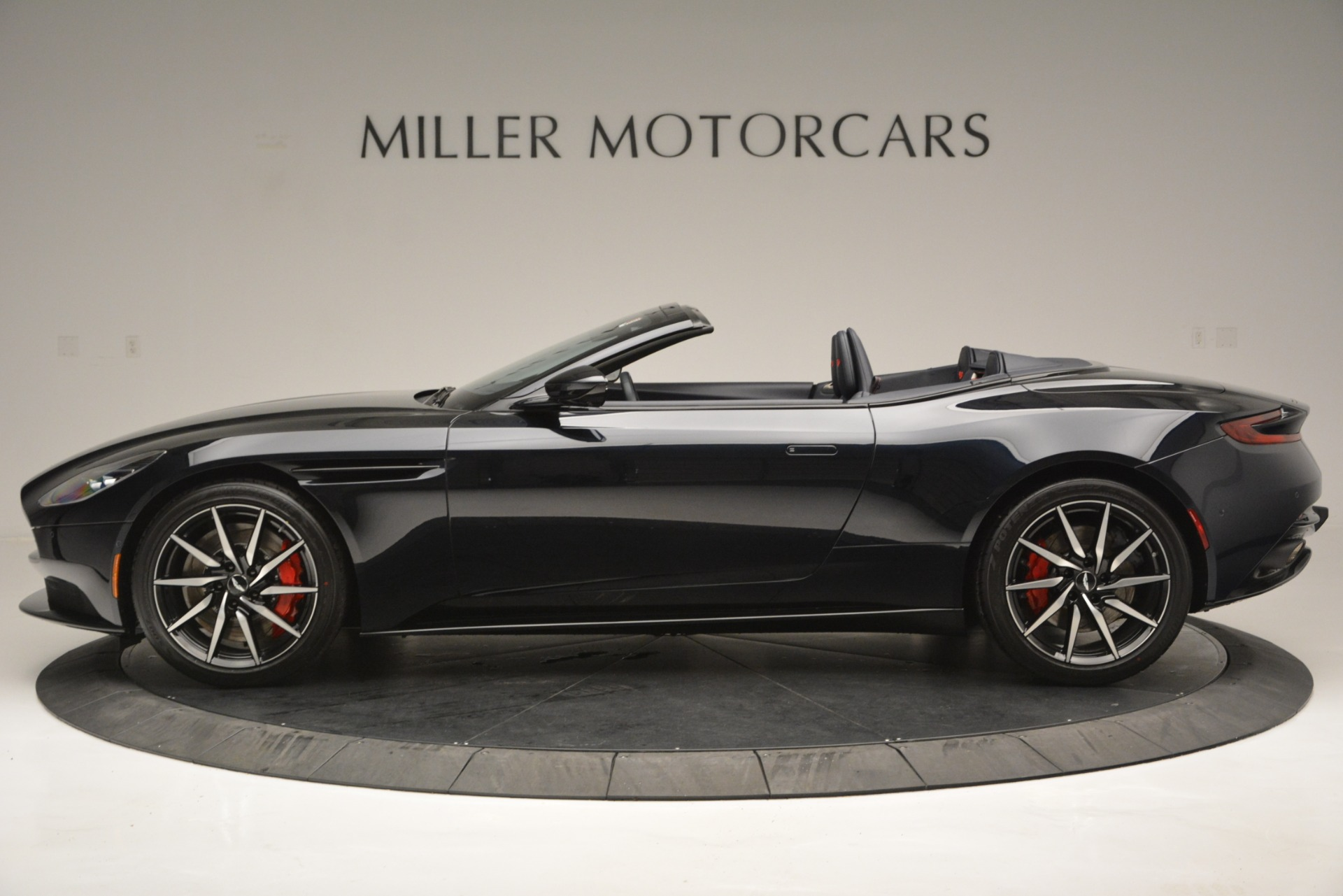 New 2019 Aston Martin DB11 V8 Convertible For Sale In Greenwich, CT 3153_p3
