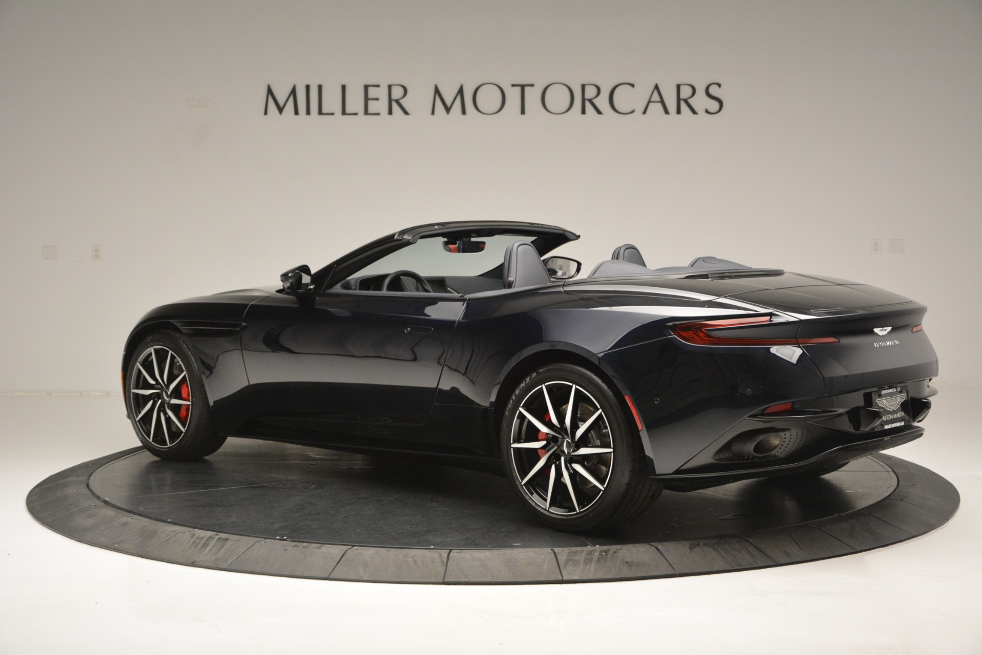 New 2019 Aston Martin DB11 V8 Convertible For Sale In Greenwich, CT 3153_p4