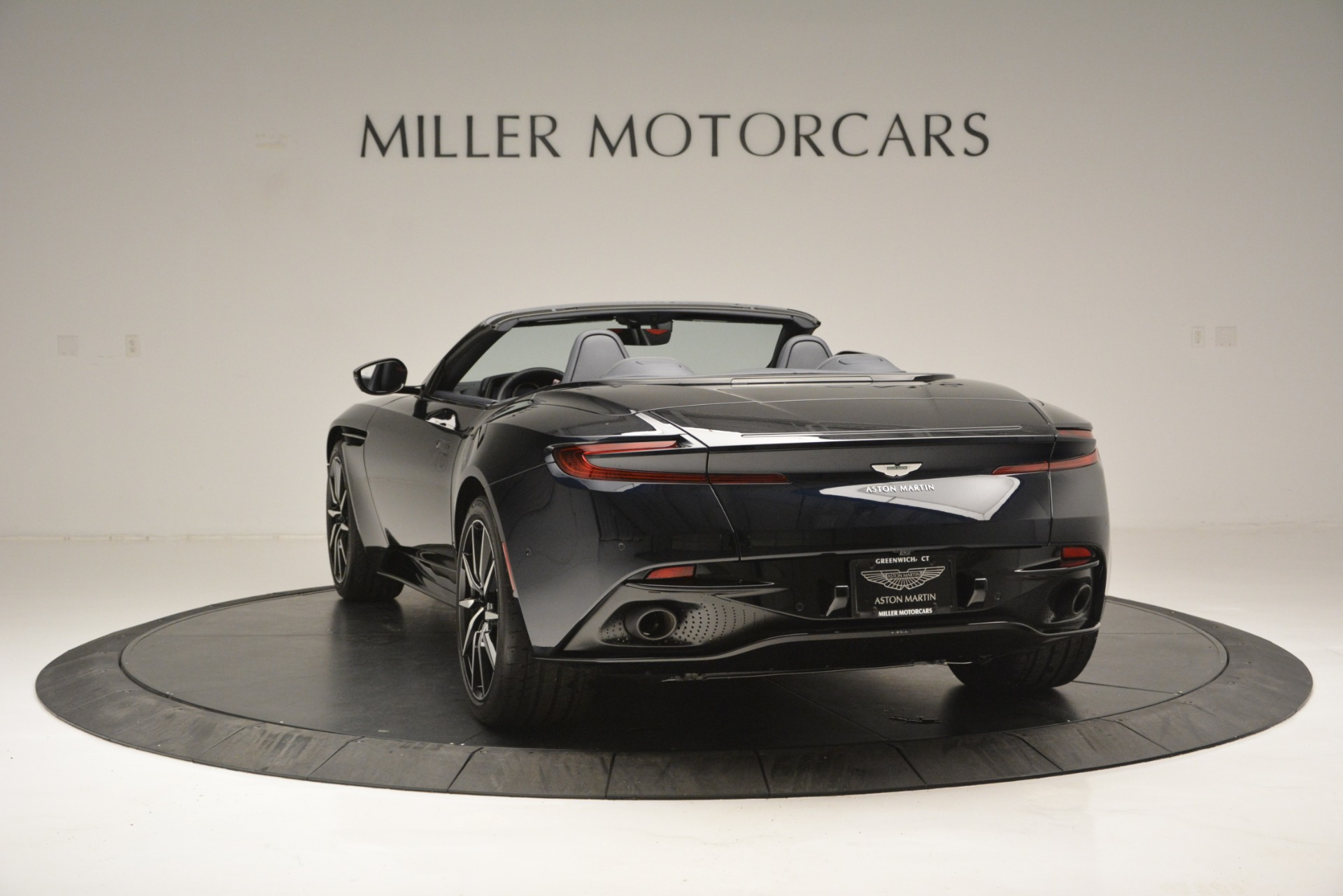 New 2019 Aston Martin DB11 V8 Convertible For Sale In Greenwich, CT 3153_p5