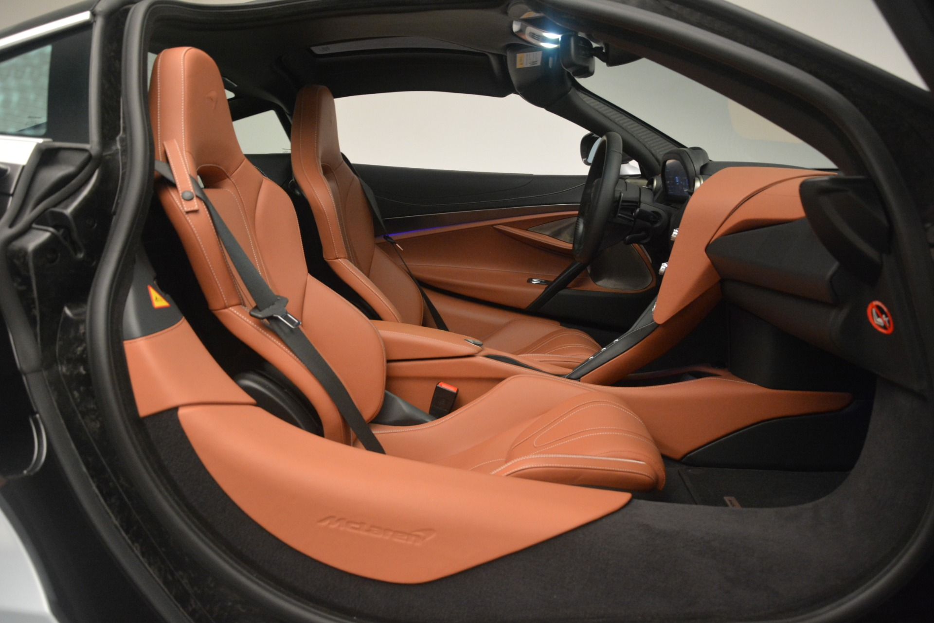 Used 2018 McLaren 720S Coupe For Sale In Greenwich, CT 3157_p19