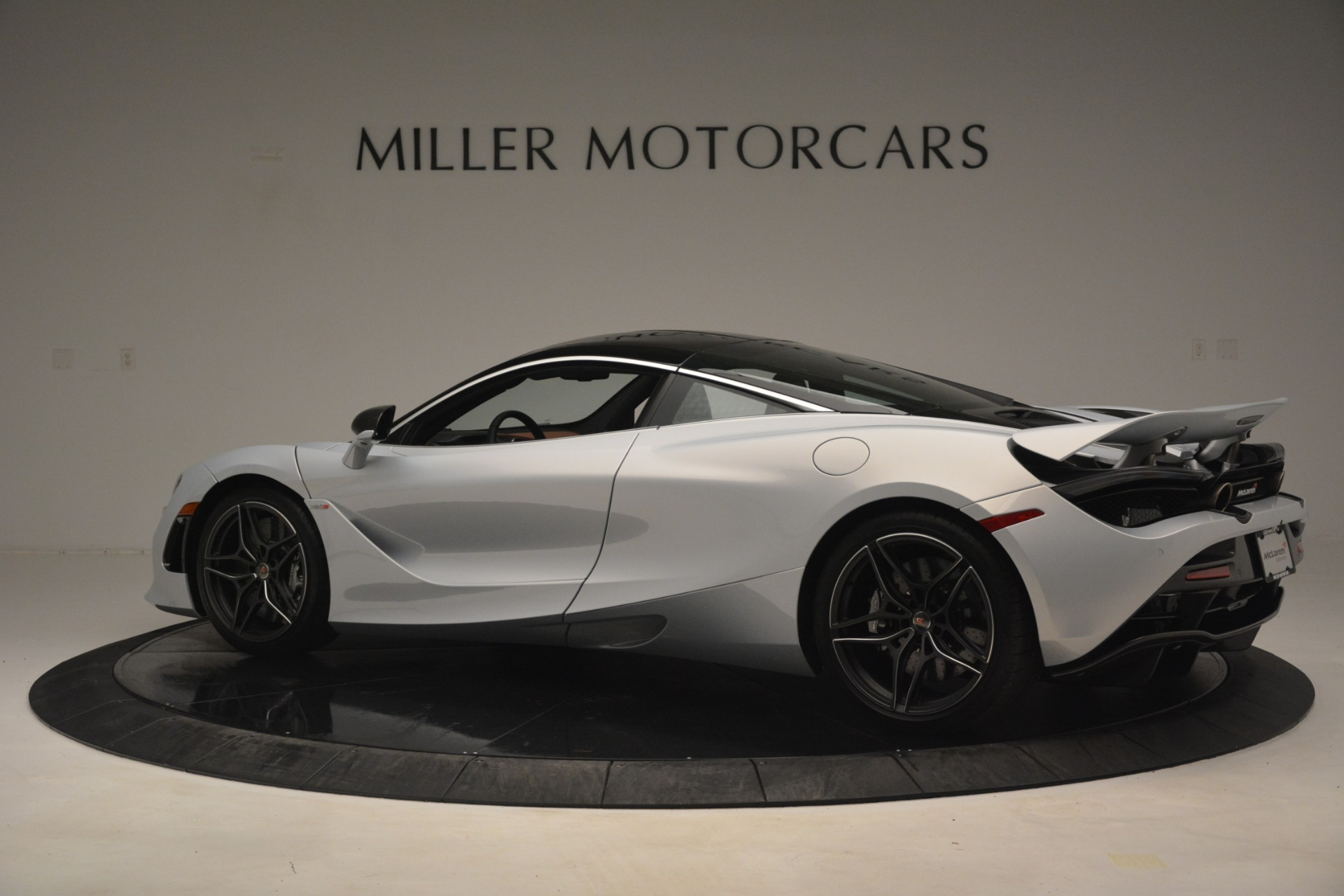 Used 2018 McLaren 720S Coupe For Sale In Greenwich, CT 3157_p4