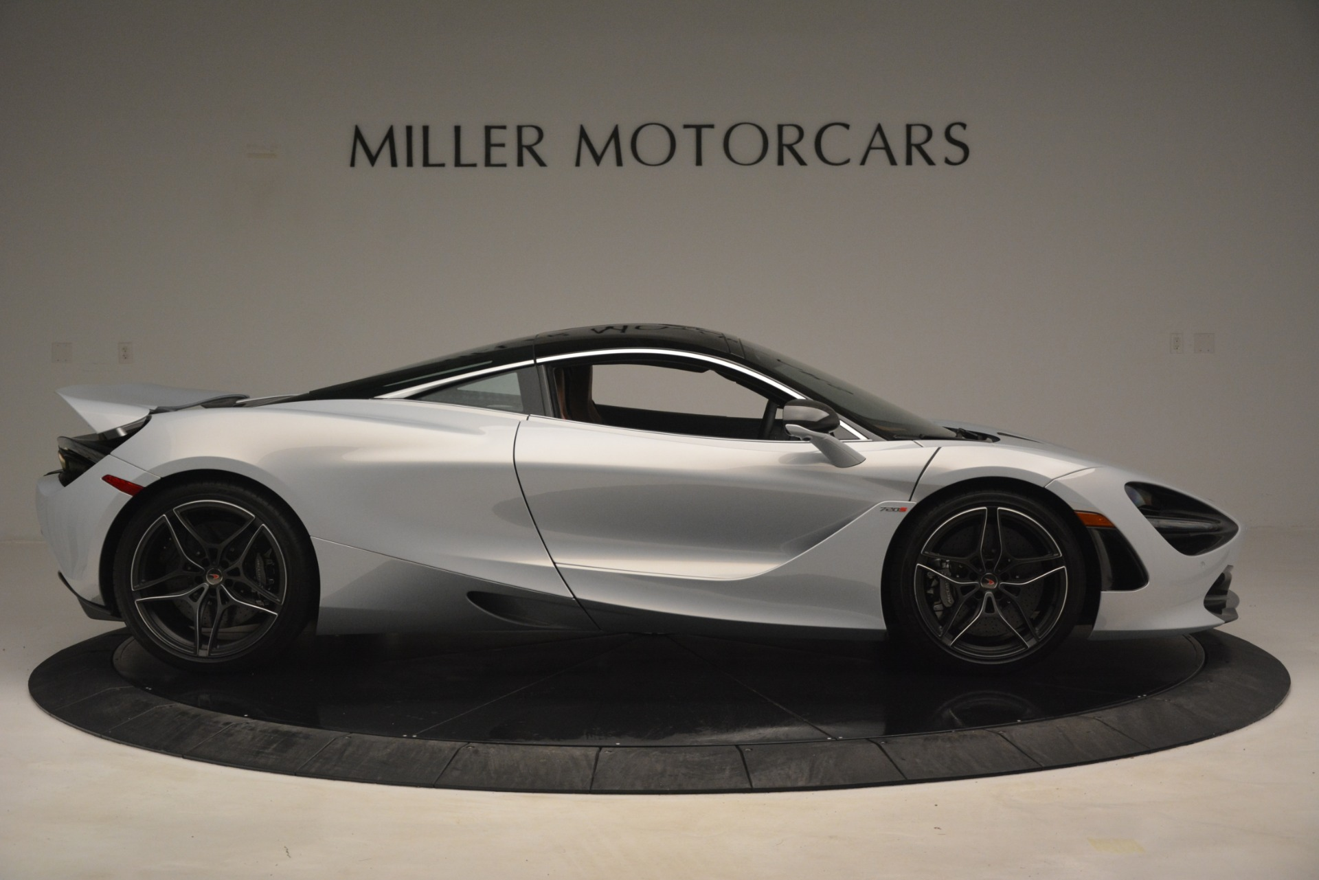 Used 2018 McLaren 720S Coupe For Sale In Greenwich, CT 3157_p9