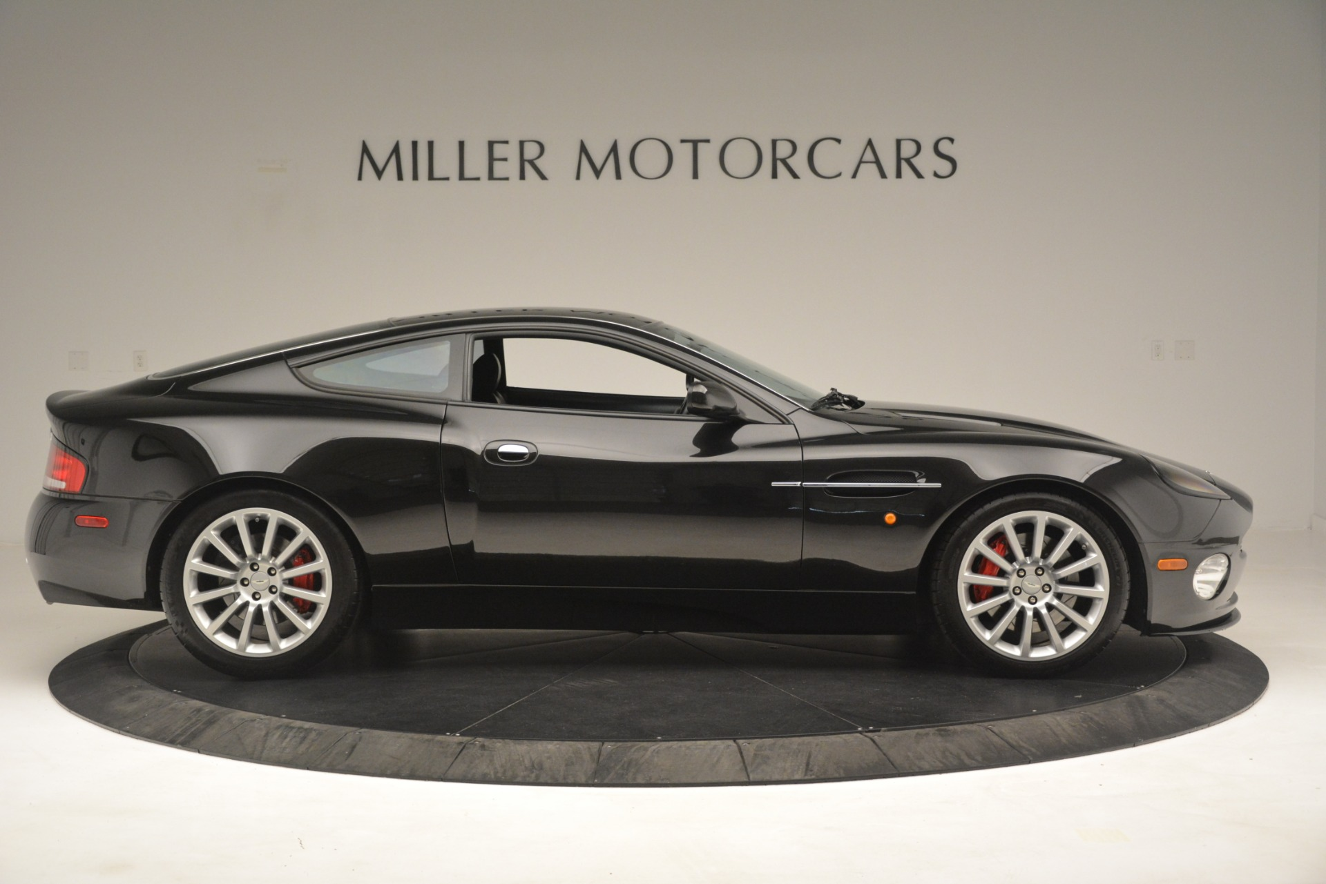 Used 2004 Aston Martin V12 Vanquish  For Sale In Greenwich, CT 3160_p7