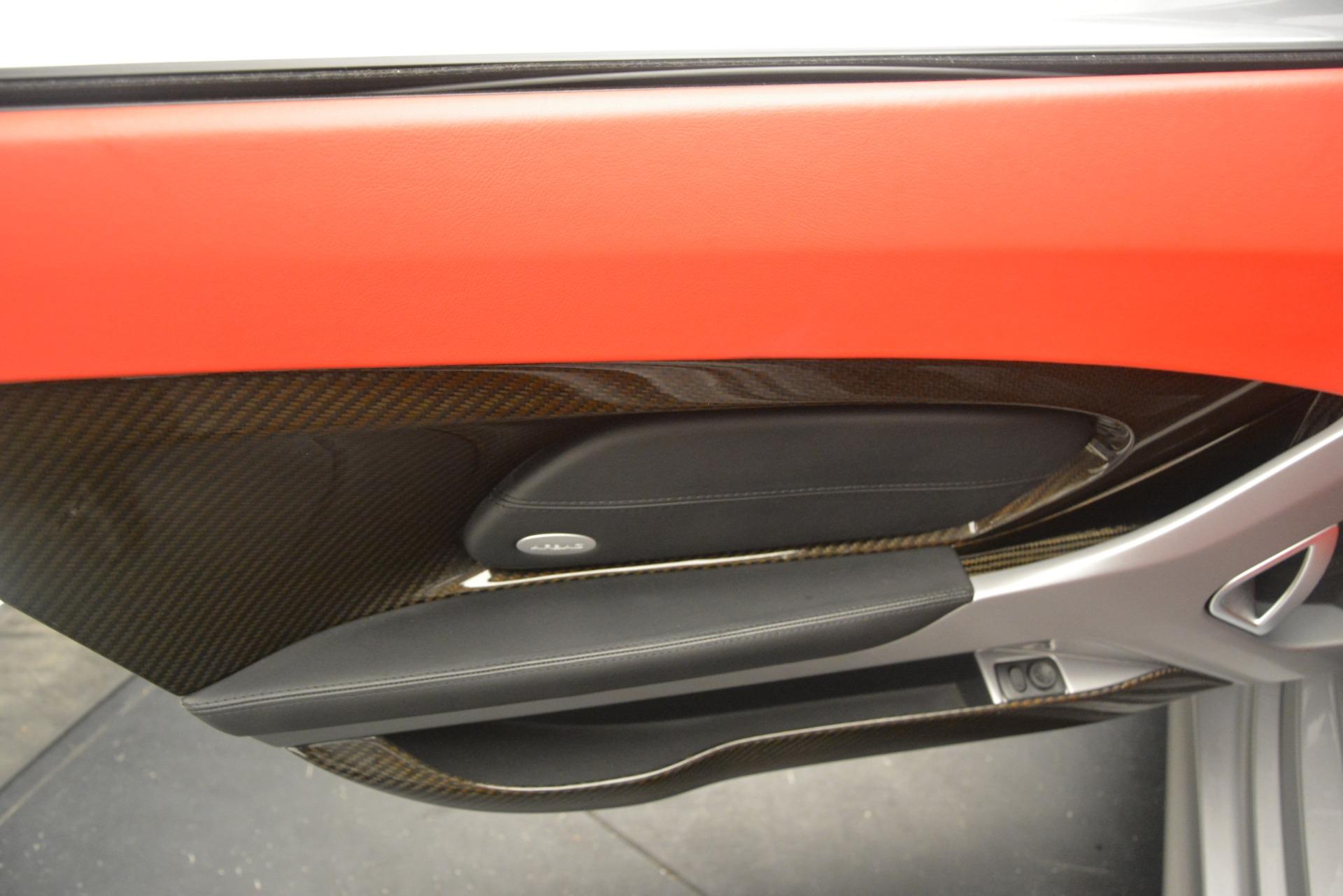 Used 2005 Porsche Carrera GT  For Sale In Greenwich, CT 3161_p28