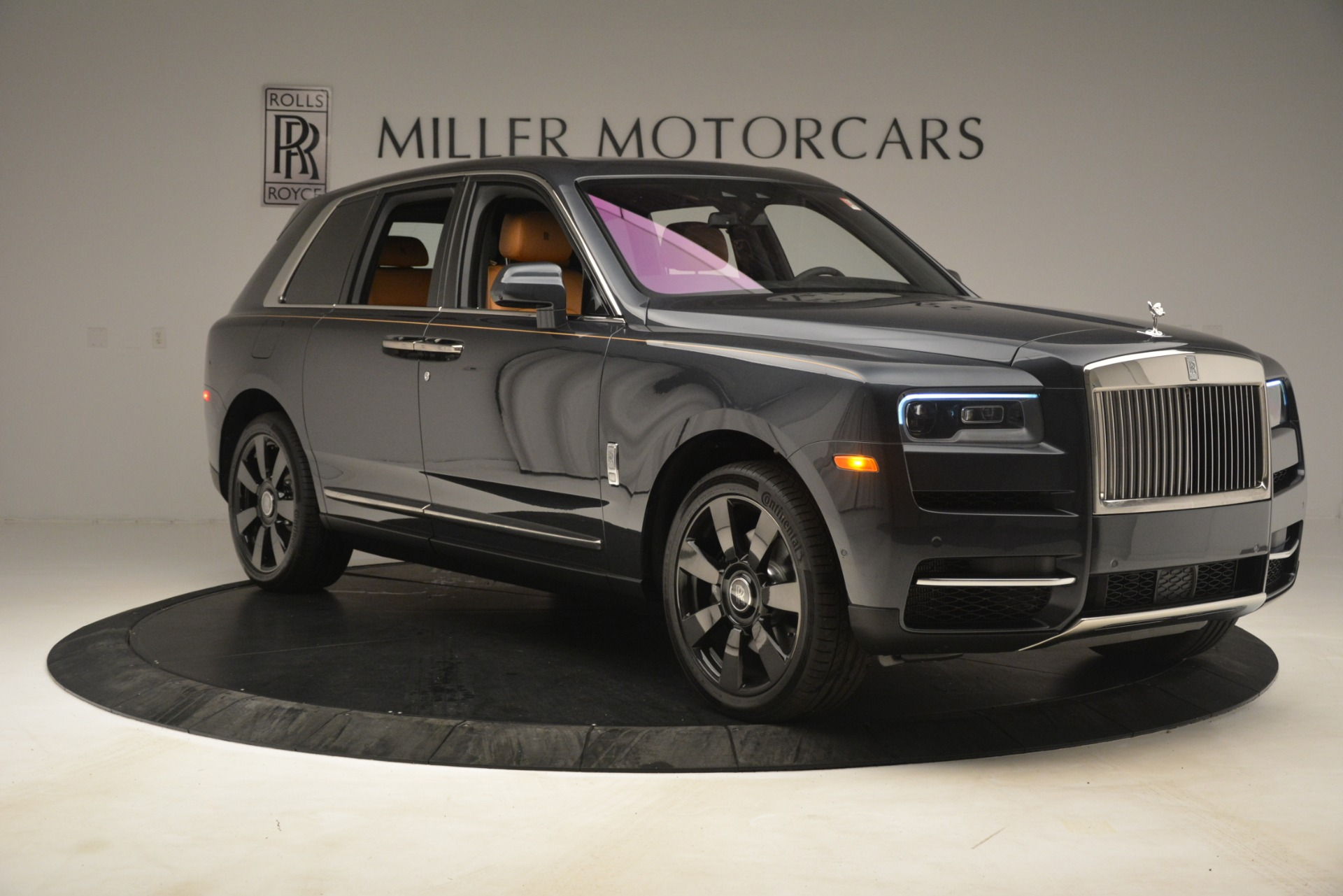 Used 2019 Rolls-Royce Cullinan  For Sale In Greenwich, CT 3162_p13