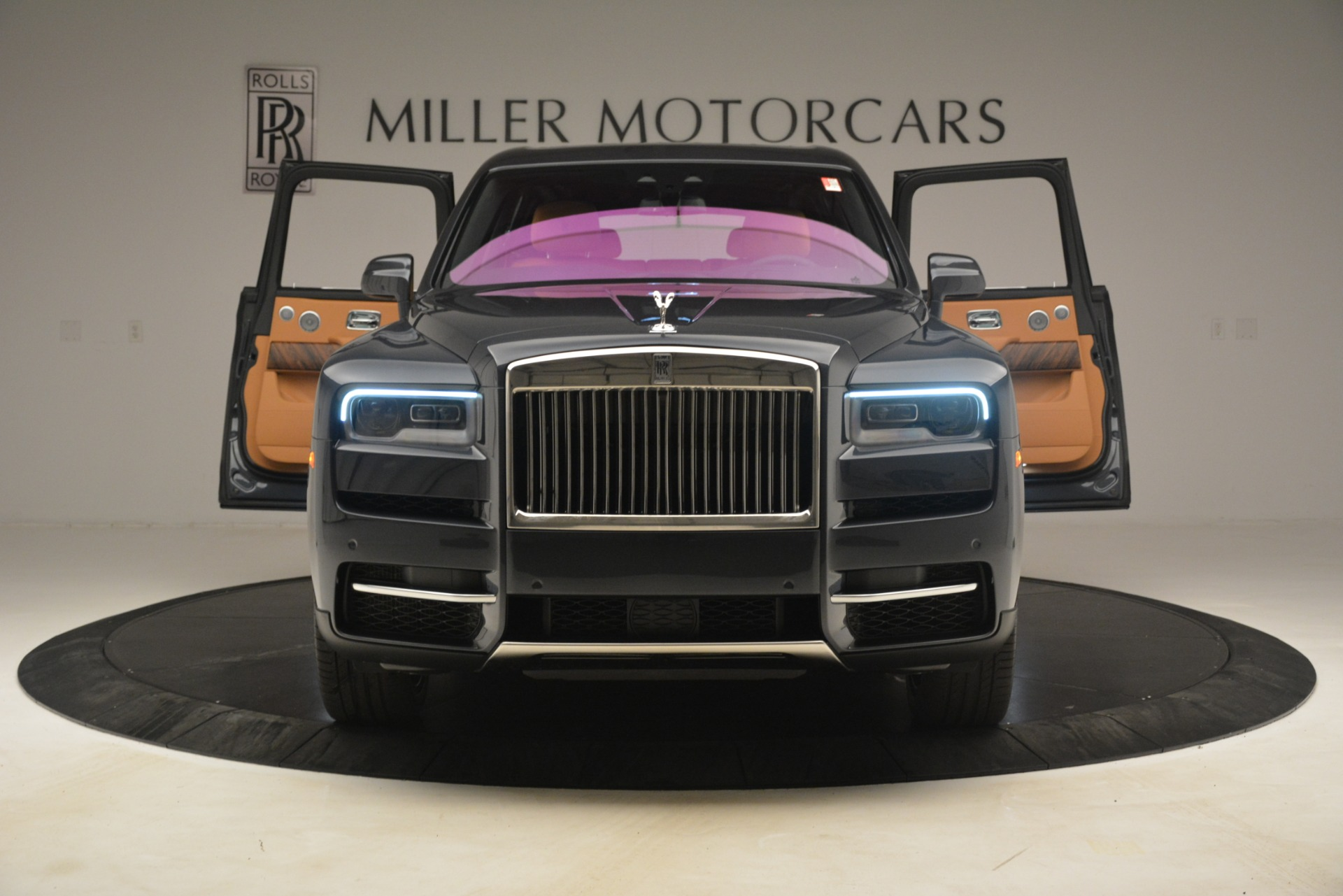 Used 2019 Rolls-Royce Cullinan  For Sale In Greenwich, CT 3162_p15
