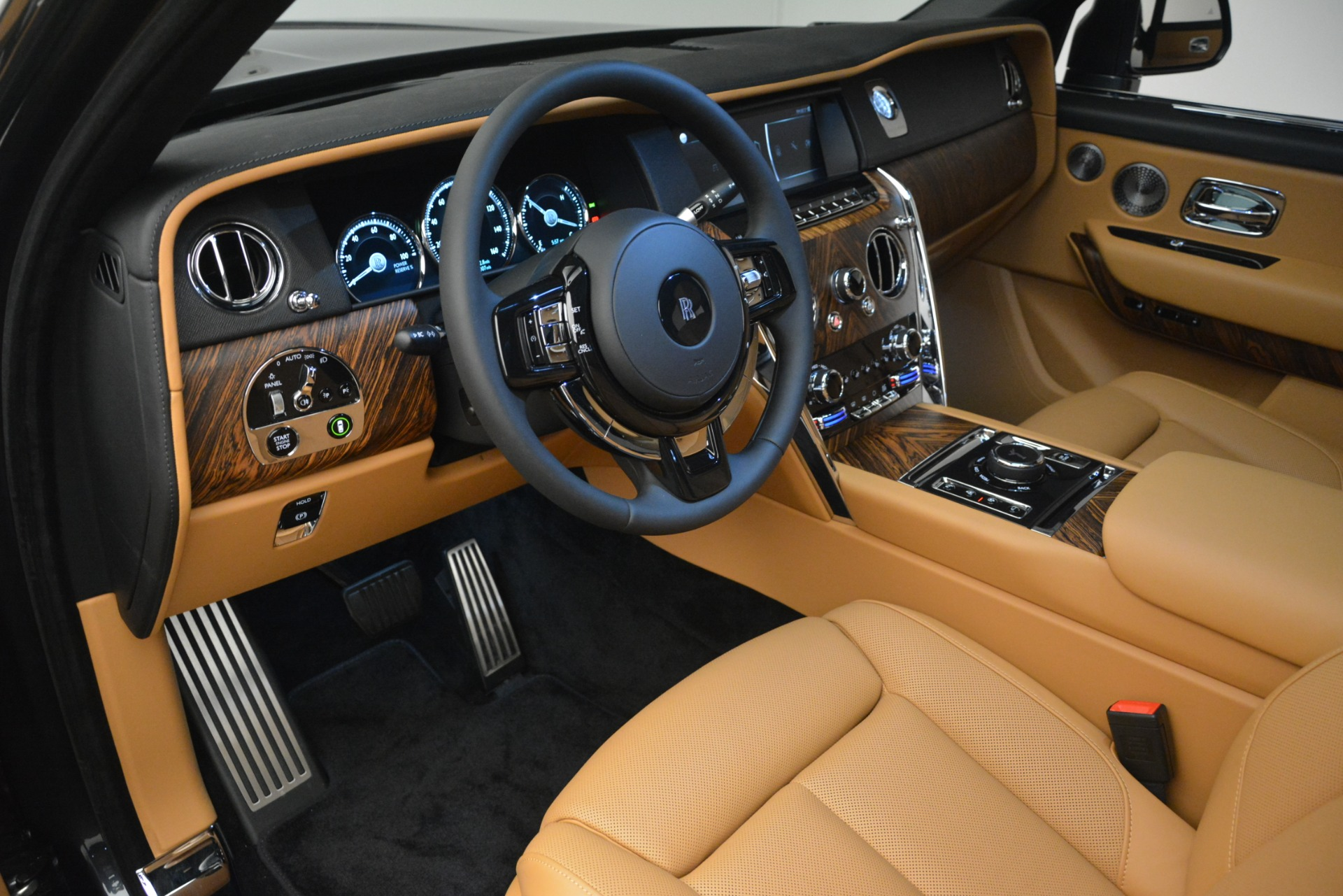 Used 2019 Rolls-Royce Cullinan  For Sale In Greenwich, CT 3162_p20