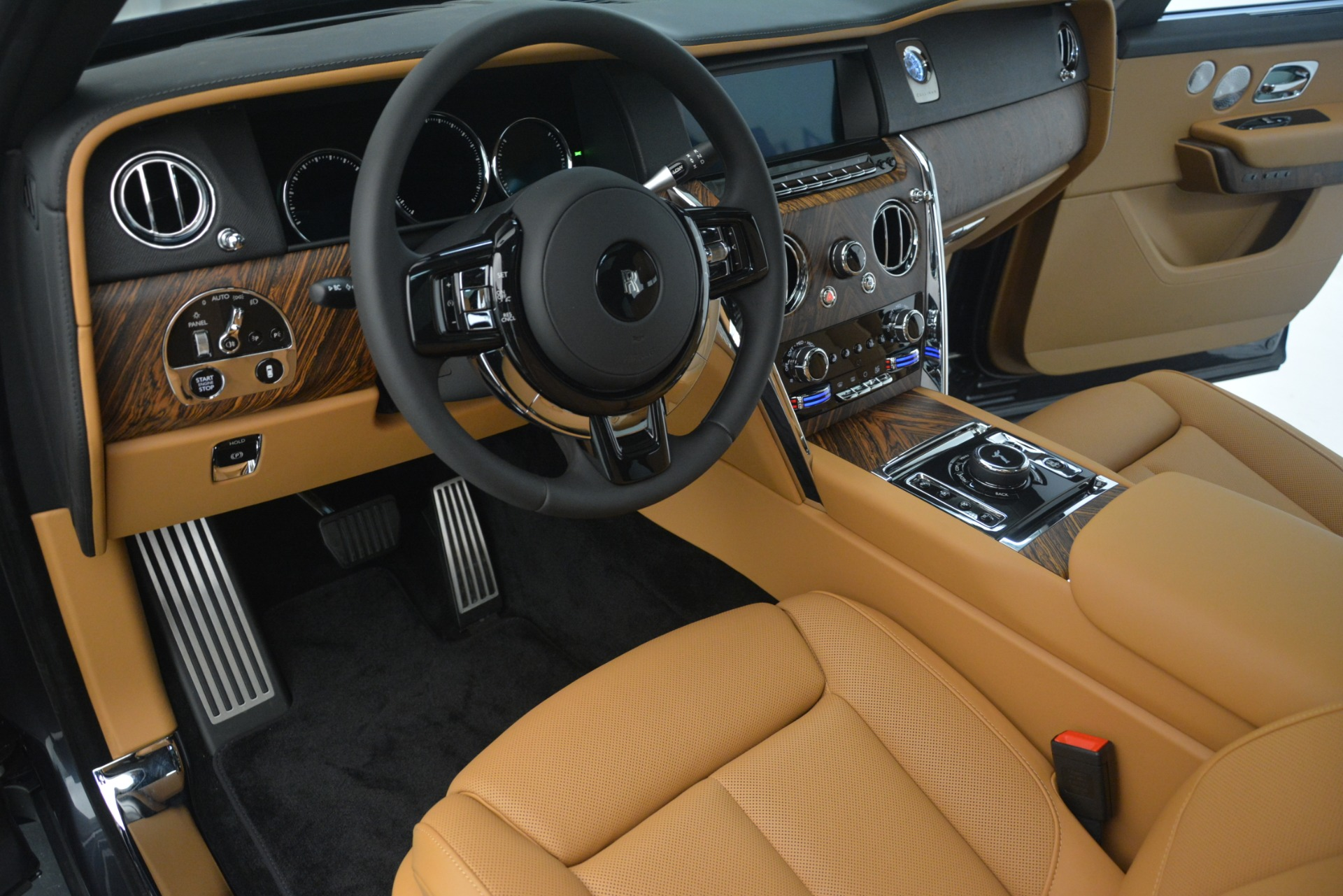 Used 2019 Rolls-Royce Cullinan  For Sale In Greenwich, CT 3162_p21