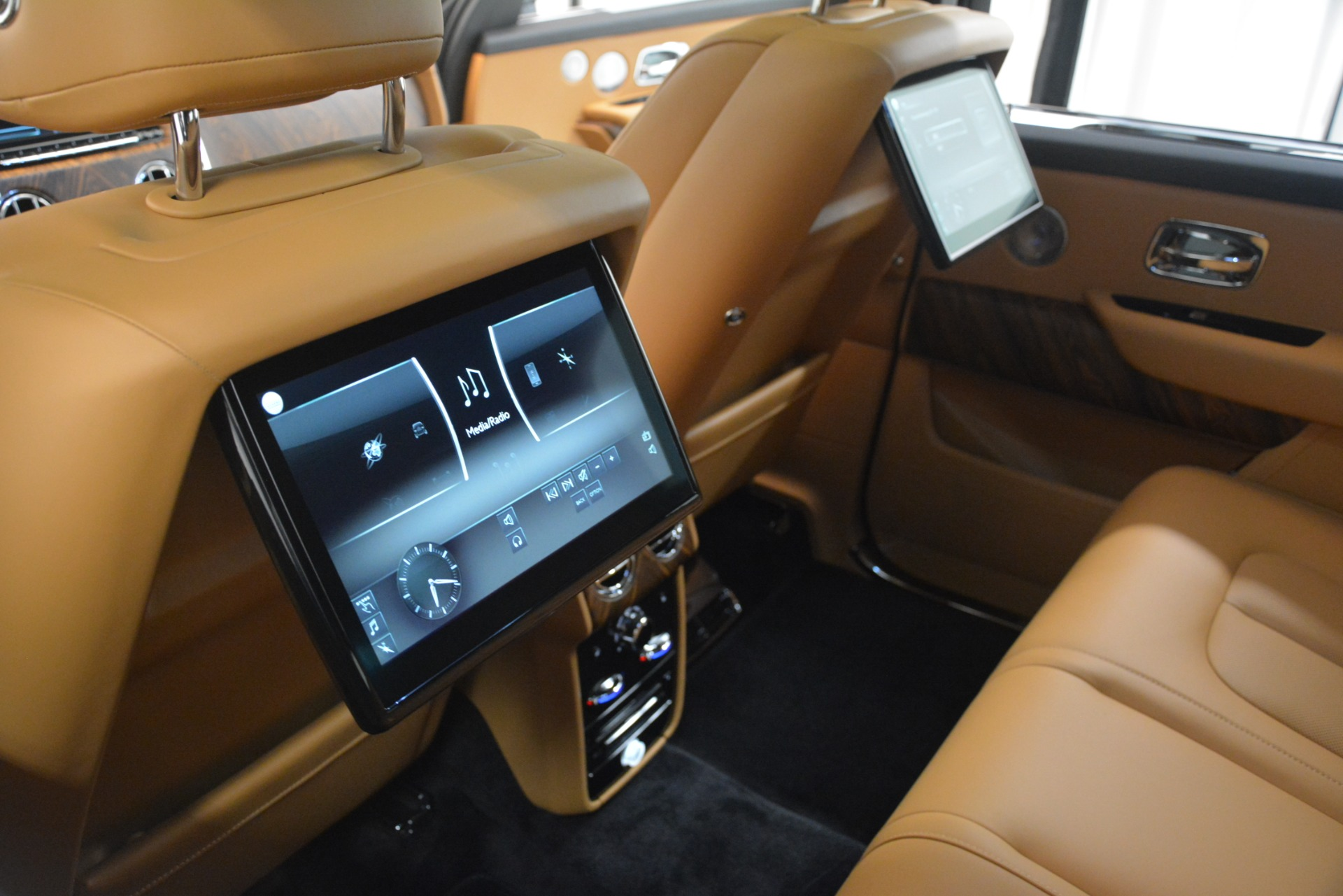 Used 2019 Rolls-Royce Cullinan  For Sale In Greenwich, CT 3162_p36