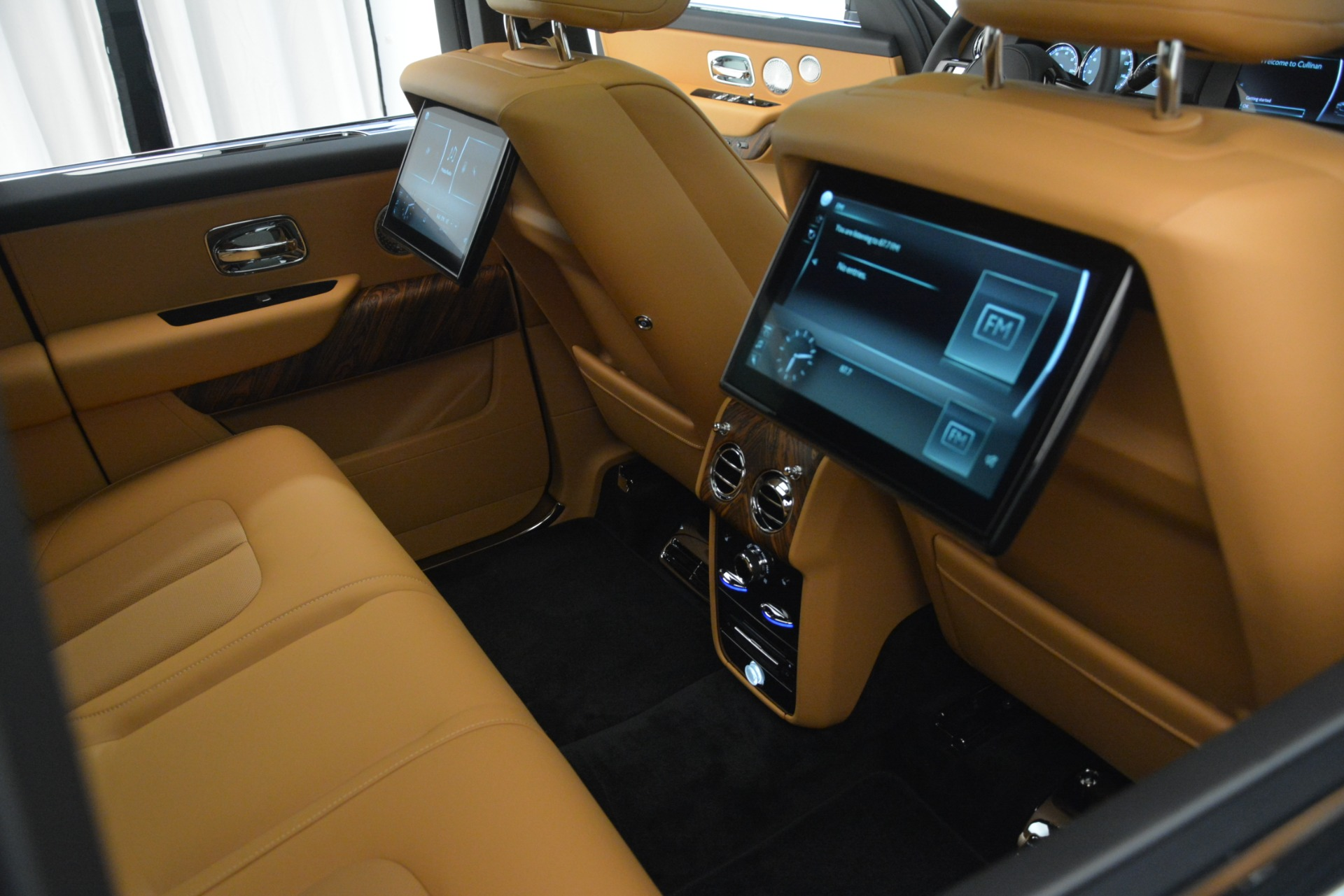 Used 2019 Rolls-Royce Cullinan  For Sale In Greenwich, CT 3162_p37