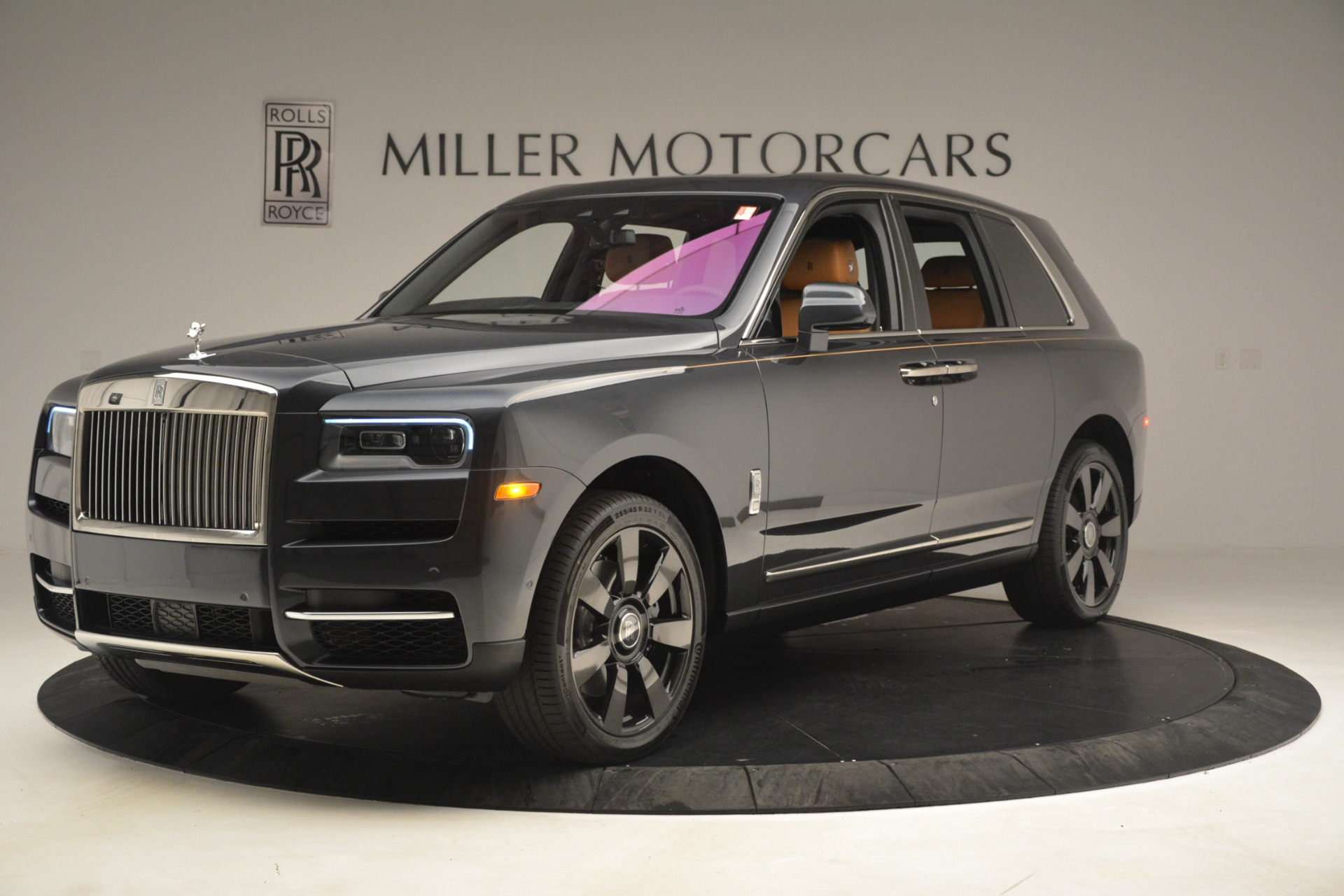 Used 2019 Rolls-Royce Cullinan  For Sale In Greenwich, CT 3162_p3
