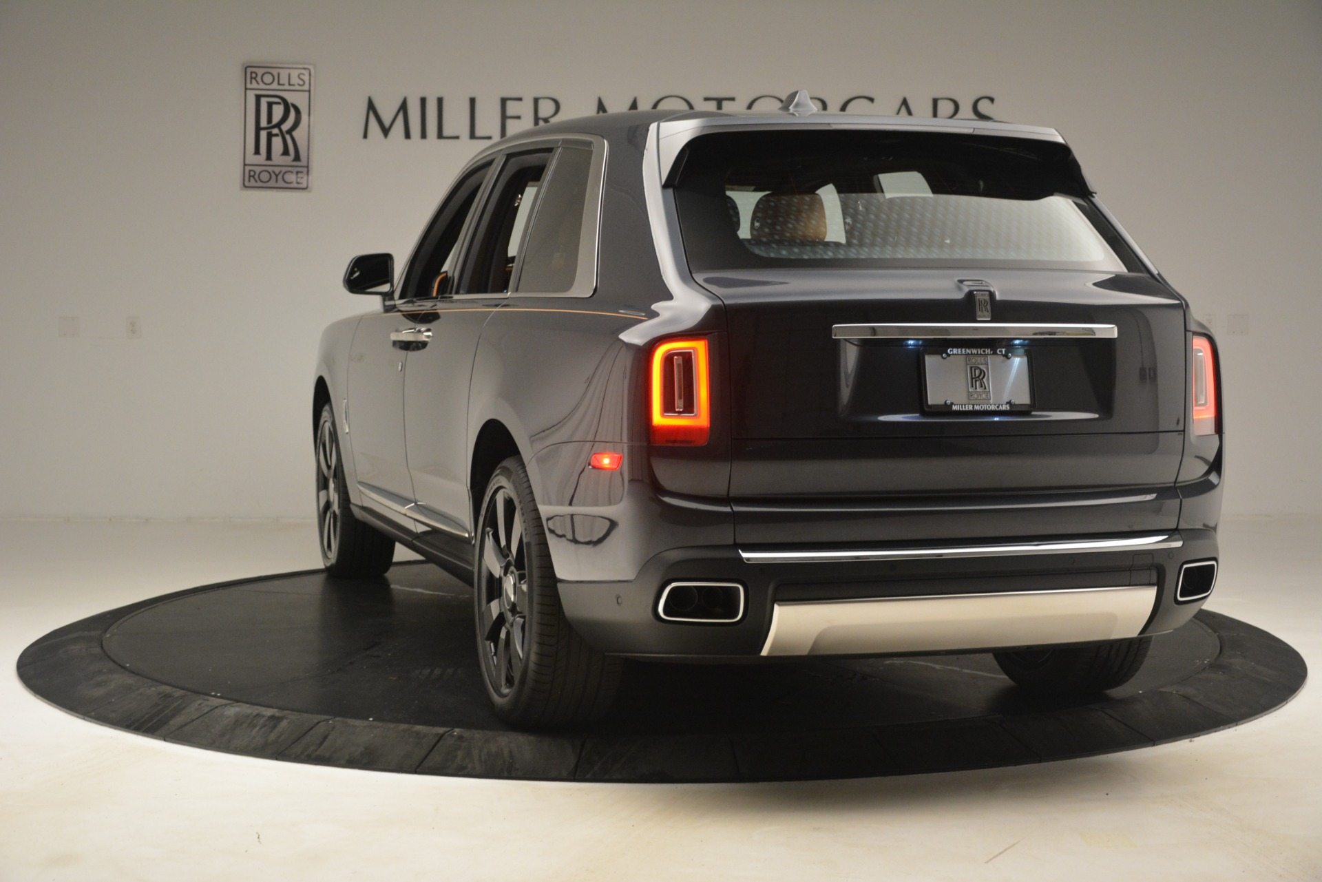 Used 2019 Rolls-Royce Cullinan  For Sale In Greenwich, CT 3162_p7