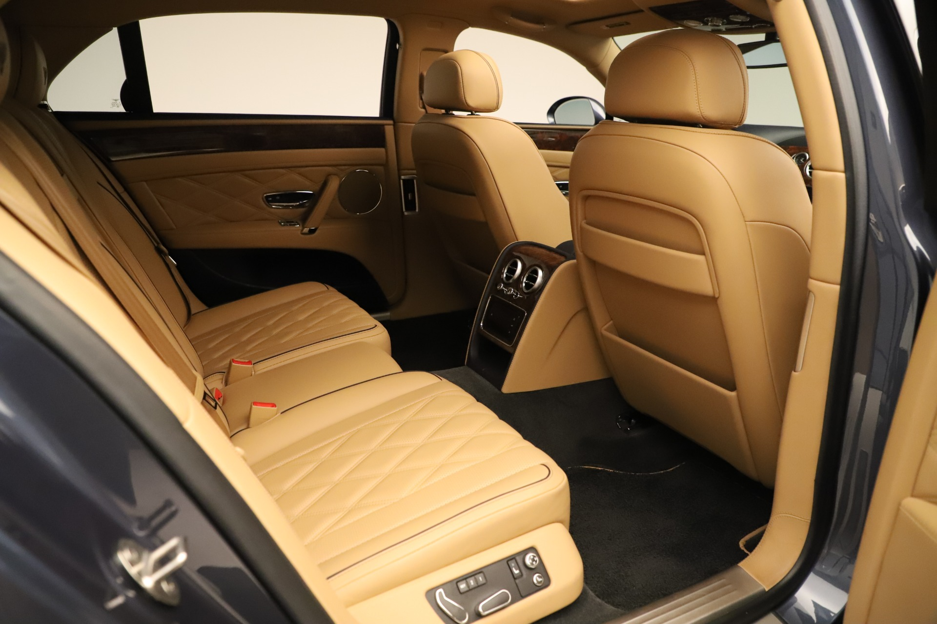 Used 2016 Bentley Flying Spur W12 For Sale In Greenwich, CT 3171_p29