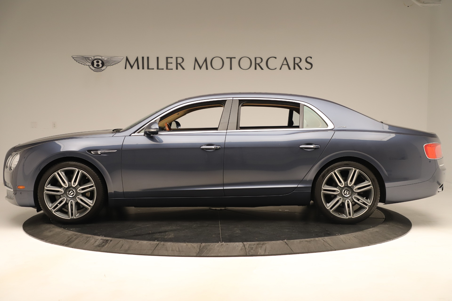 Used 2016 Bentley Flying Spur W12 For Sale In Greenwich, CT 3171_p3