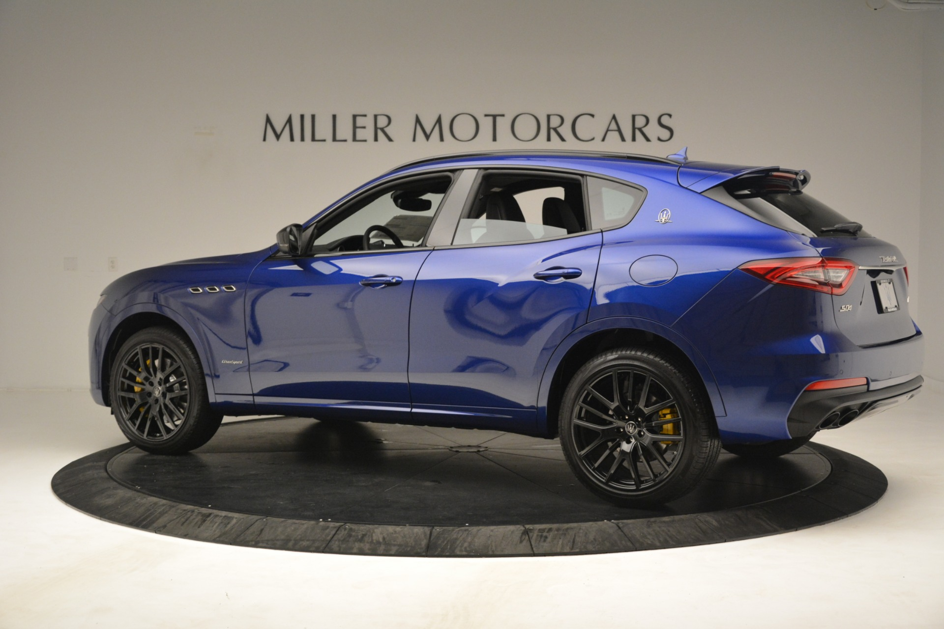 New 2019 Maserati Levante SQ4 GranSport Nerissimo For Sale In Greenwich, CT 3179_p4