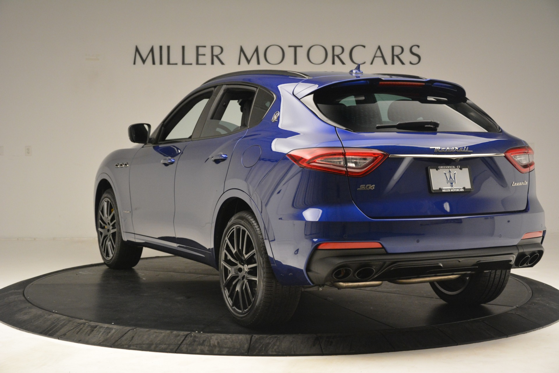 New 2019 Maserati Levante SQ4 GranSport Nerissimo For Sale In Greenwich, CT 3179_p5
