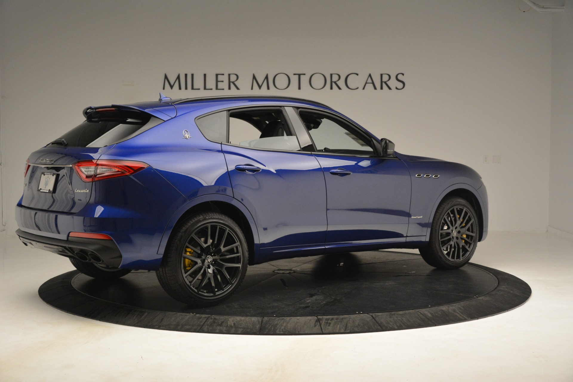 New 2019 Maserati Levante SQ4 GranSport Nerissimo For Sale In Greenwich, CT 3179_p8