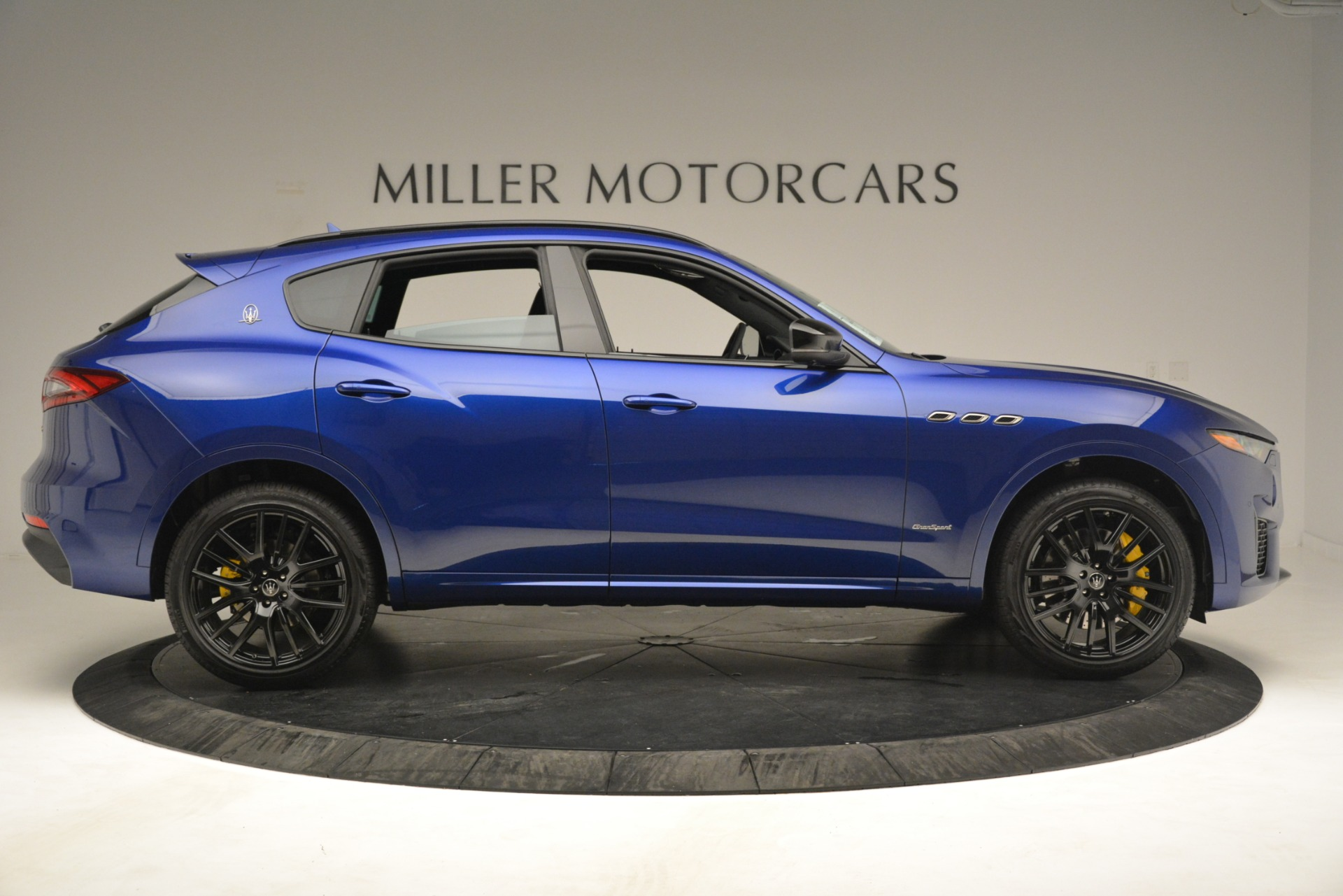New 2019 Maserati Levante SQ4 GranSport Nerissimo For Sale In Greenwich, CT 3179_p9