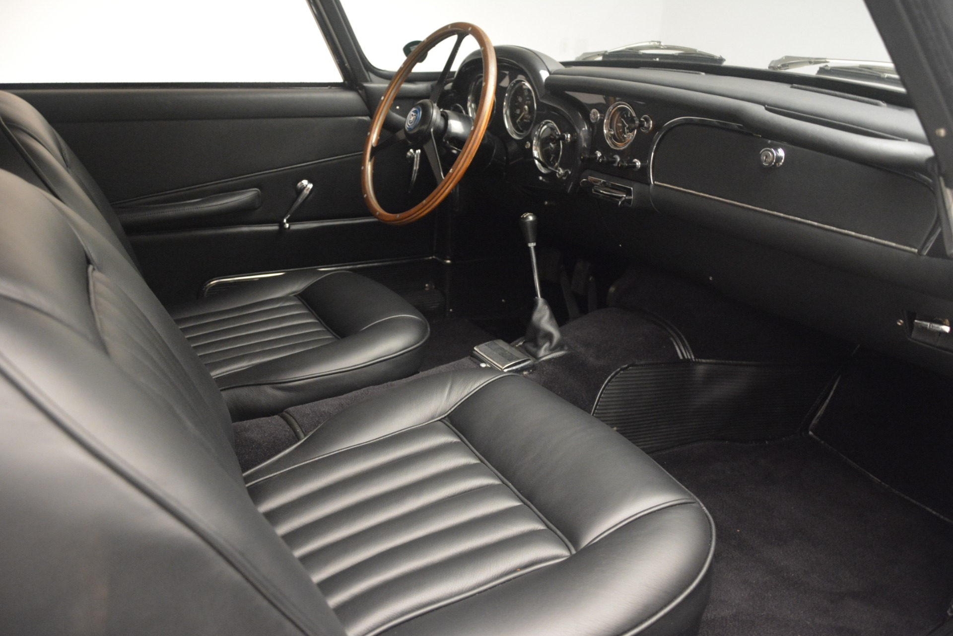 Used 1961 Aston Martin DB4 Series IV Coupe For Sale In Greenwich, CT 3186_p25