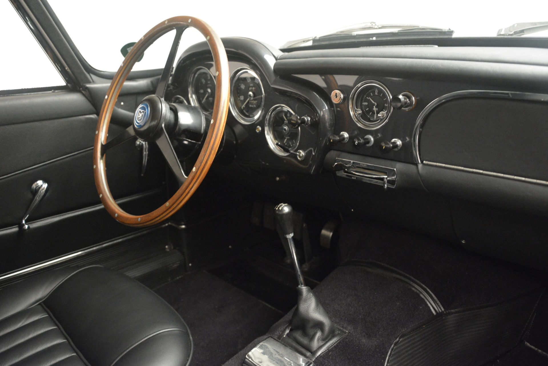 Used 1961 Aston Martin DB4 Series IV Coupe For Sale In Greenwich, CT 3186_p26