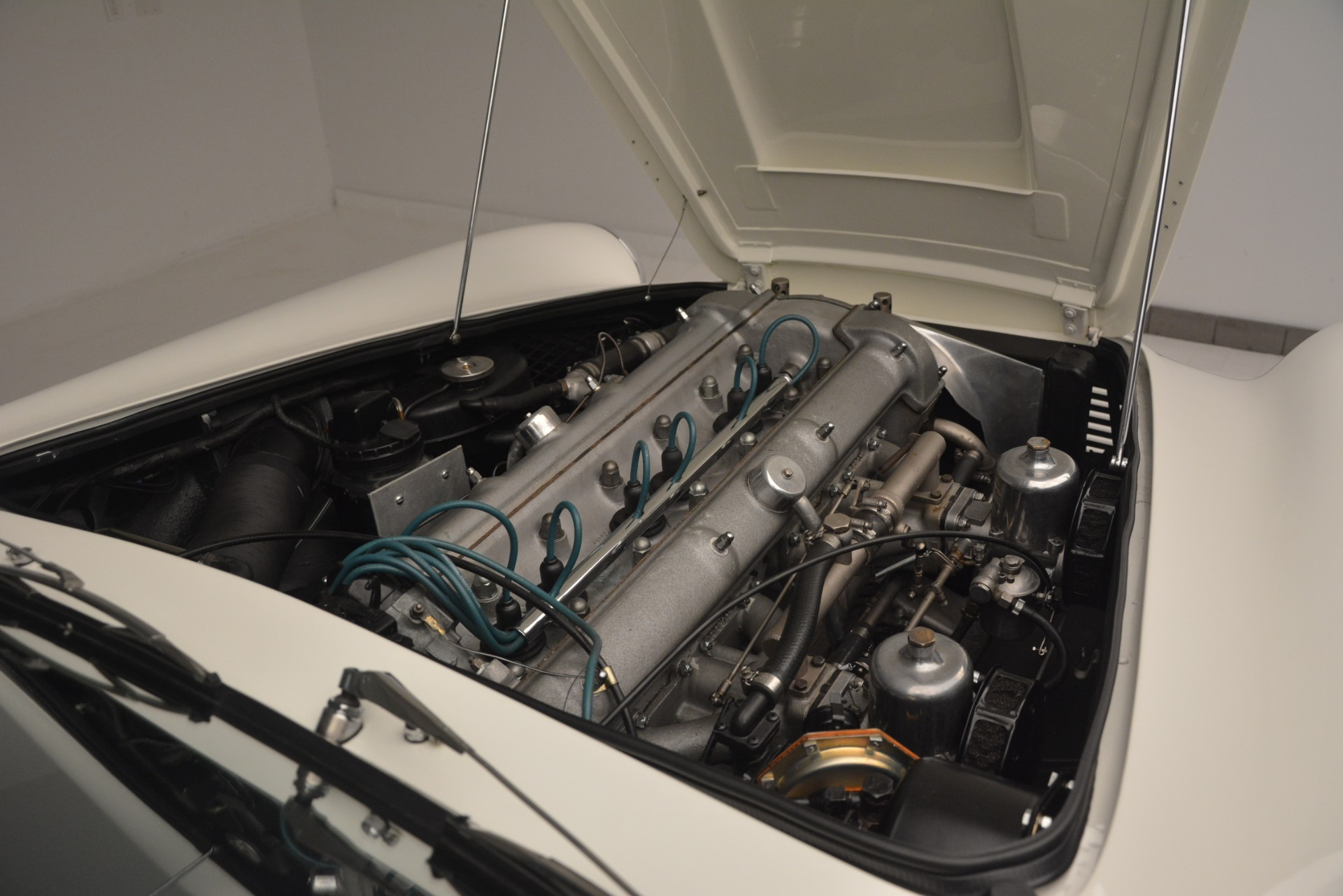 Used 1961 Aston Martin DB4 Series IV Coupe For Sale In Greenwich, CT 3186_p33