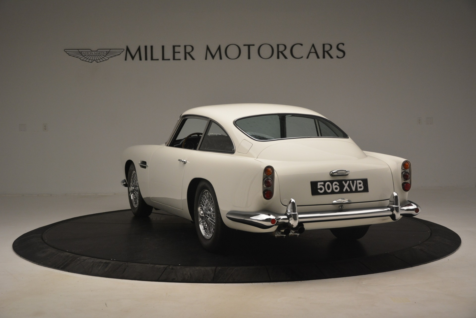 Used 1961 Aston Martin DB4 Series IV Coupe For Sale In Greenwich, CT 3186_p5