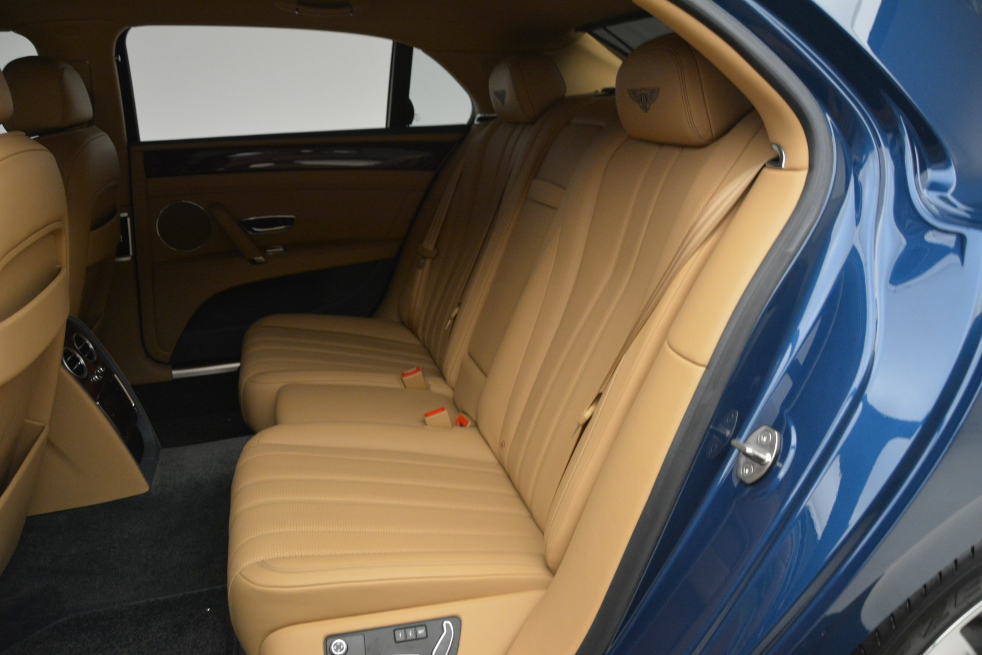 Used 2016 Bentley Flying Spur V8 For Sale In Greenwich, CT 3195_p22