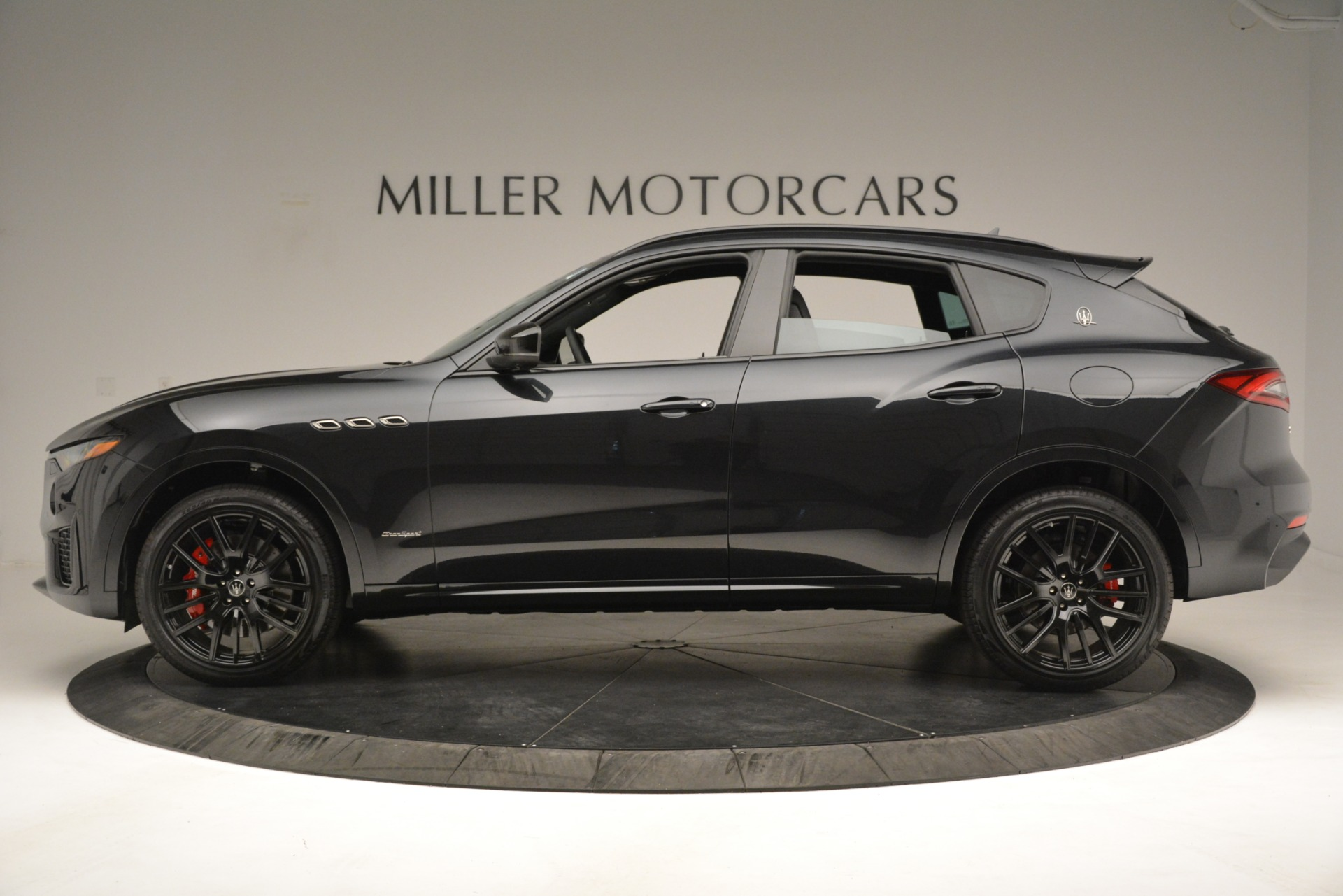 New 2019 Maserati Levante SQ4 GranSport Nerissimo For Sale In Greenwich, CT 3199_p3