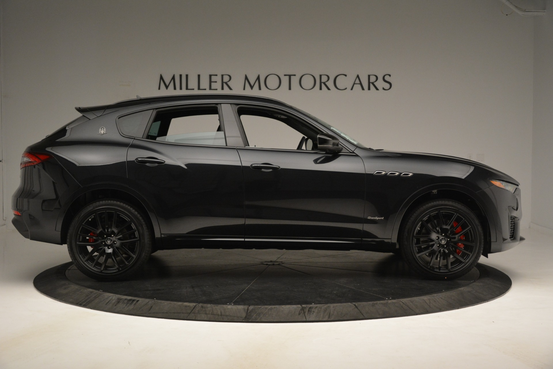 New 2019 Maserati Levante SQ4 GranSport Nerissimo For Sale In Greenwich, CT 3199_p9