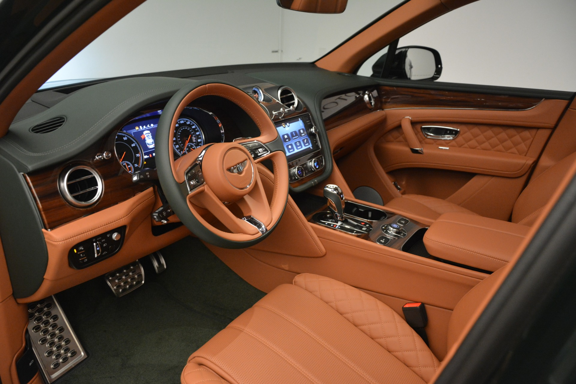 New 2019 Bentley Bentayga V8 For Sale In Greenwich, CT 3203_p19