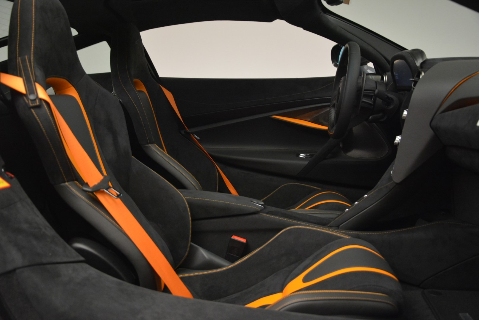 Used 2018 McLaren 720S Coupe For Sale In Greenwich, CT 3205_p19
