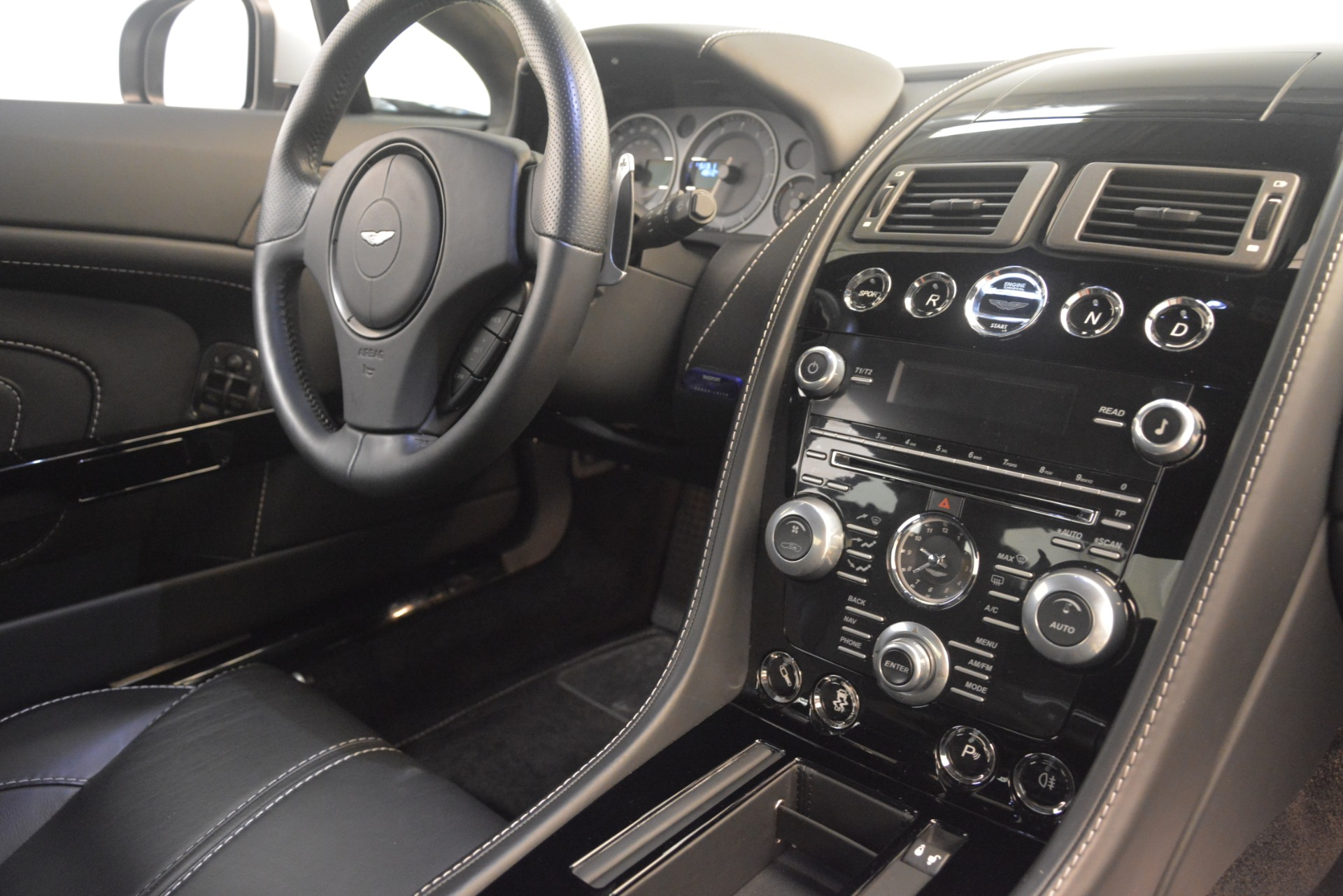 Used 2015 Aston Martin V12 Vantage S Coupe For Sale In Greenwich, CT 3206_p19