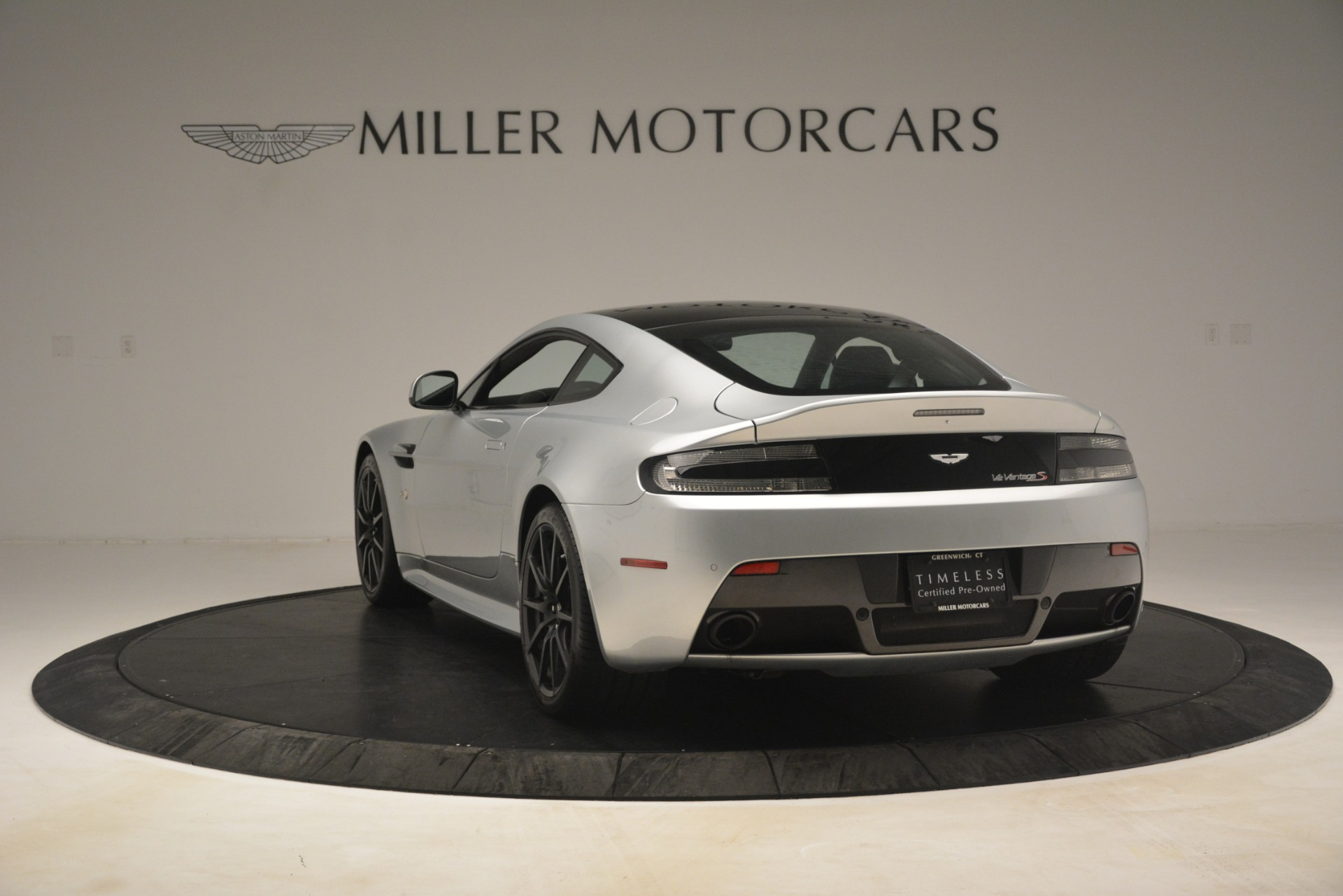 Used 2015 Aston Martin V12 Vantage S Coupe For Sale In Greenwich, CT 3206_p5