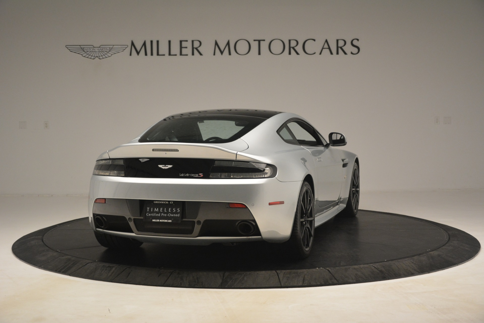 Used 2015 Aston Martin V12 Vantage S Coupe For Sale In Greenwich, CT 3206_p7