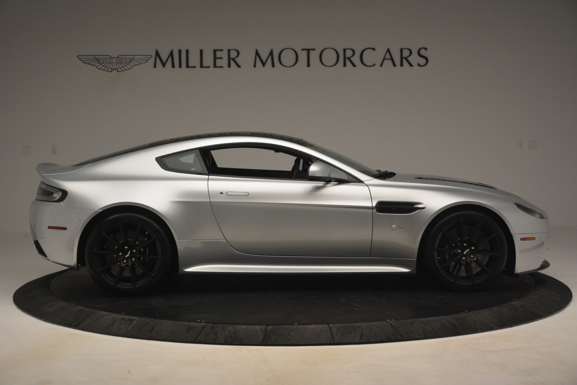 Used 2015 Aston Martin V12 Vantage S Coupe For Sale In Greenwich, CT 3206_p9