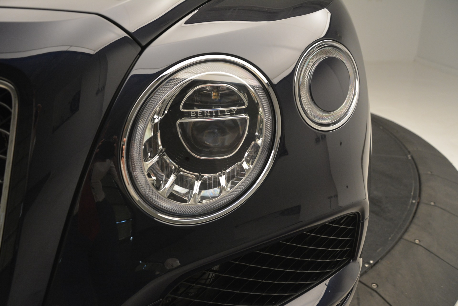 New 2019 Bentley Bentayga V8 For Sale In Greenwich, CT 3207_p15