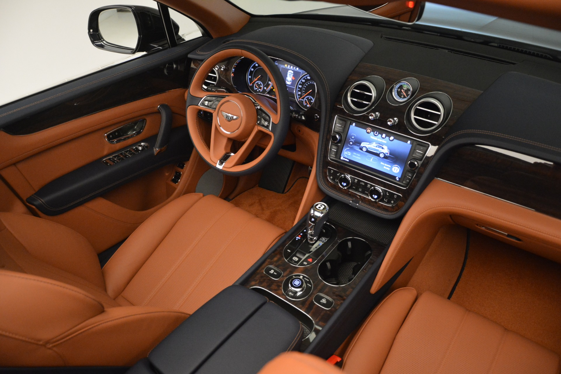 New 2019 Bentley Bentayga V8 For Sale In Greenwich, CT 3207_p30