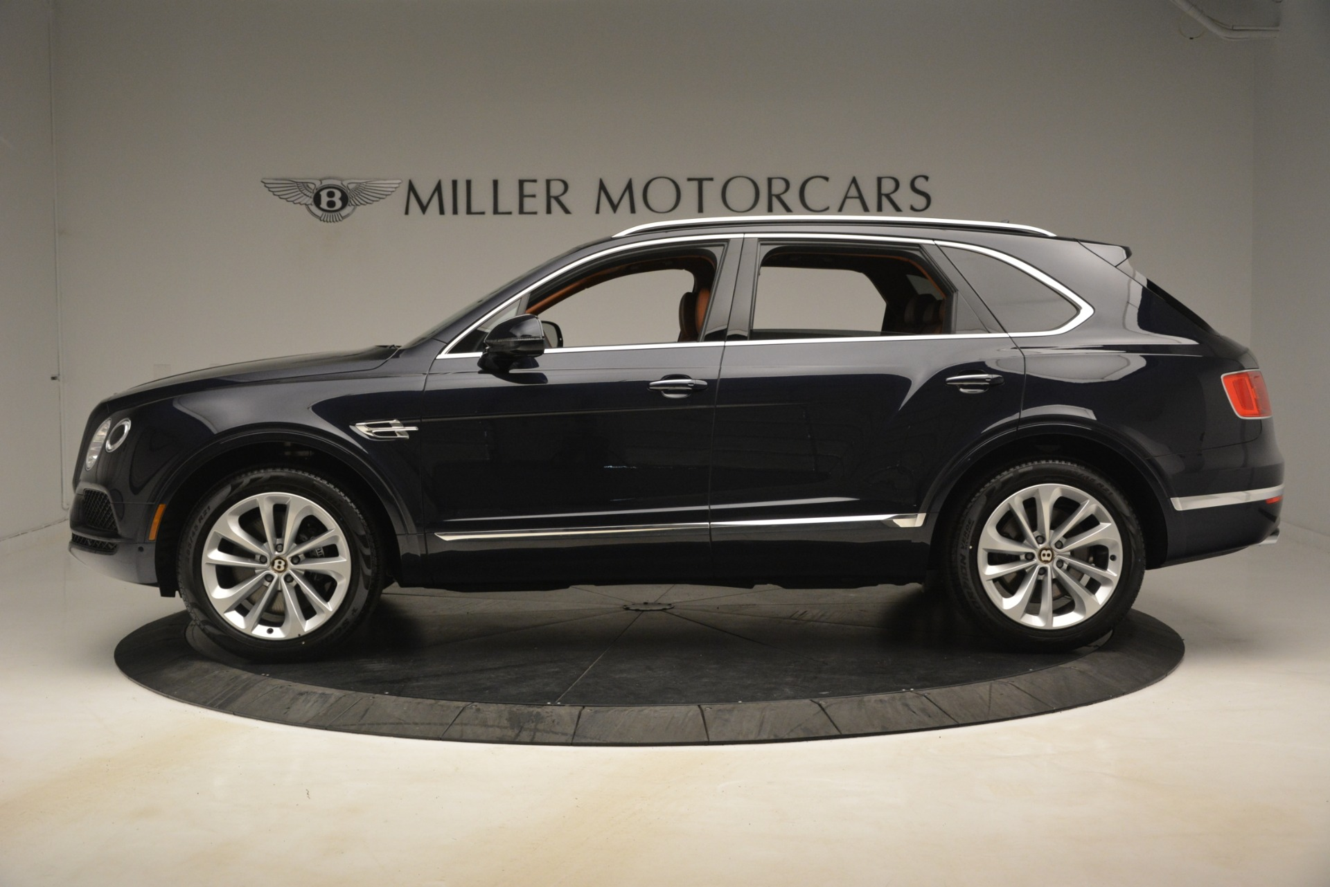 New 2019 Bentley Bentayga V8 For Sale In Greenwich, CT 3207_p3